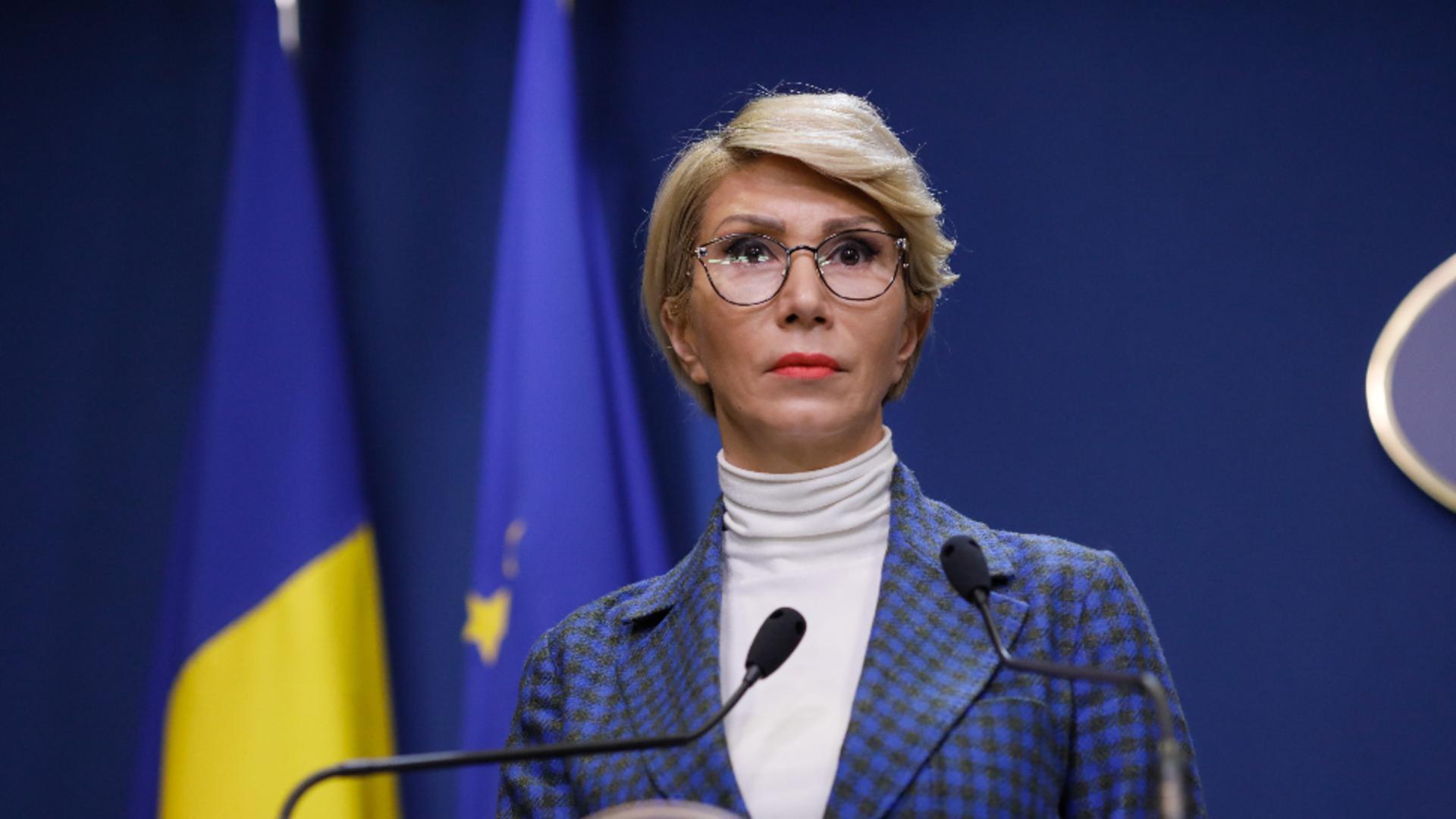 Raluca Turcan, anunț despre cumularea pensiei cu salariul la stat Foto: INQUAM/George Călin
