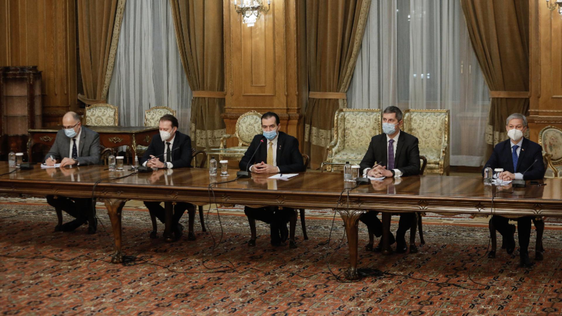 Coaliția de guvernare, aproape de colaps. Ce variante au ca să rămână la putere? Foto/Inquam