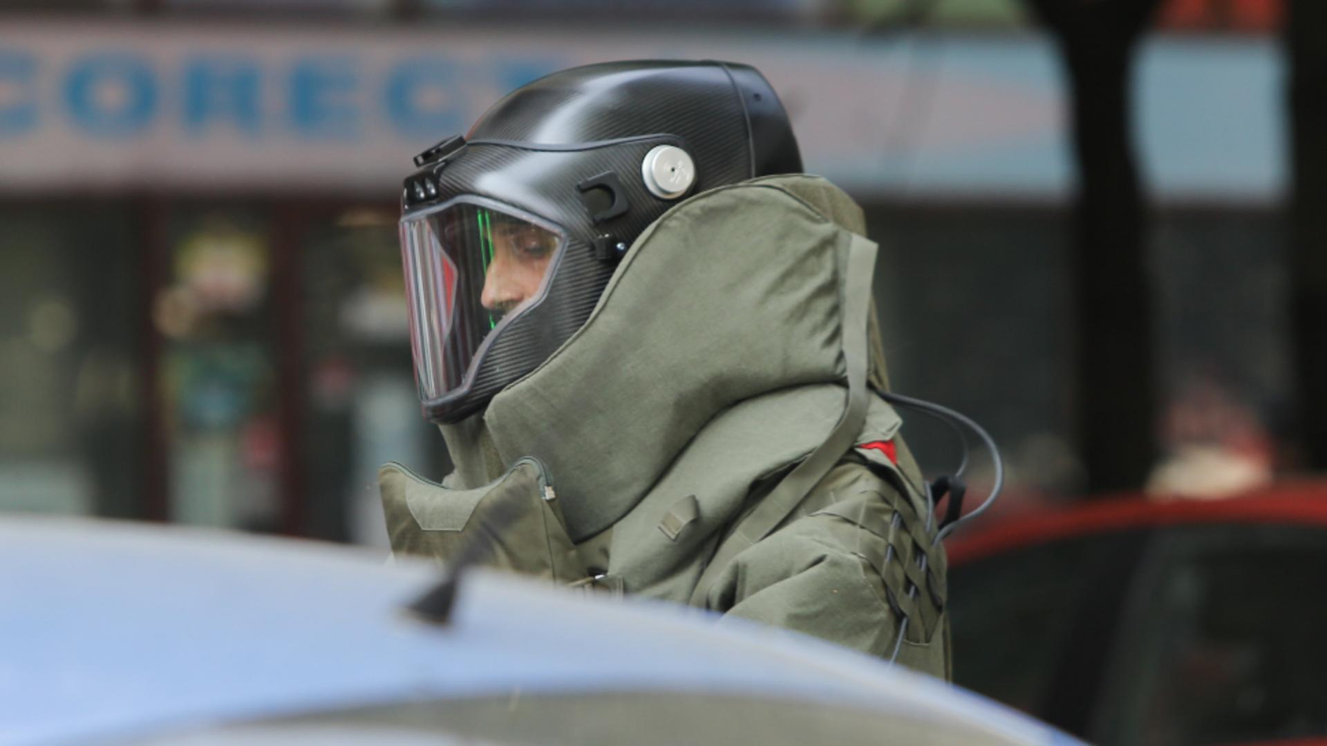 Trupele speciale ale SRI au intervenit pe o stradă din apropierea Guvernului / Foto: Inquam Photos