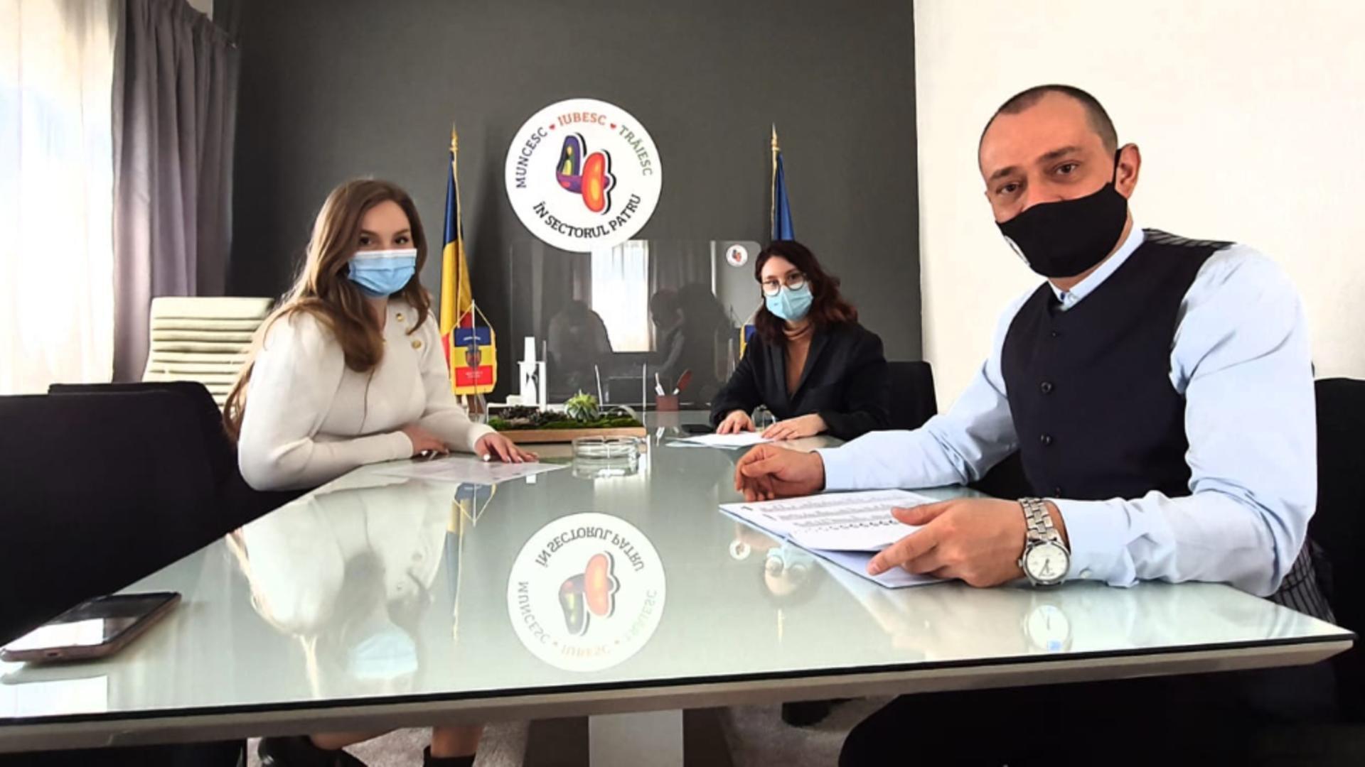 Sectorul 4 al Municipiului București acordă anual peste 15.000 de burse școlare