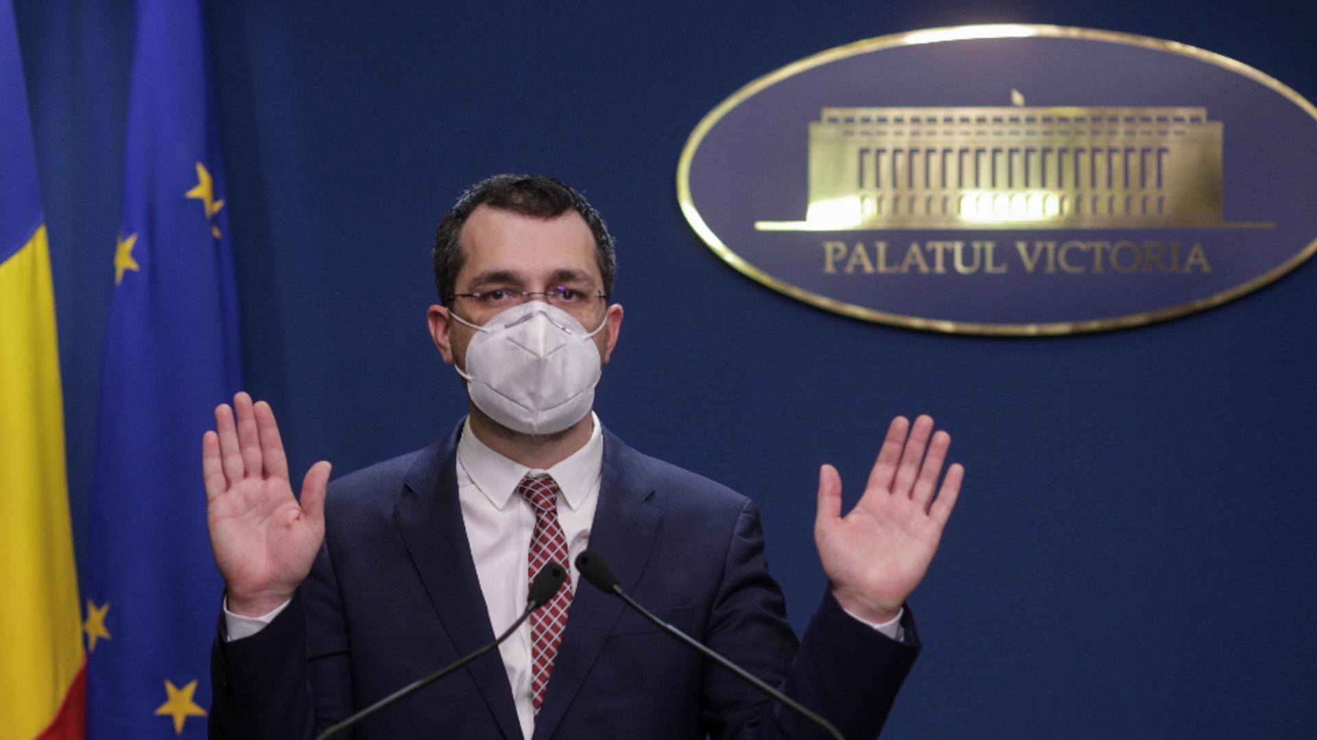Vlad Voiculescu, patru luni de scandal și gafe ca ministru al Sănătății Foto: InquamPhotos/Octav Ganea