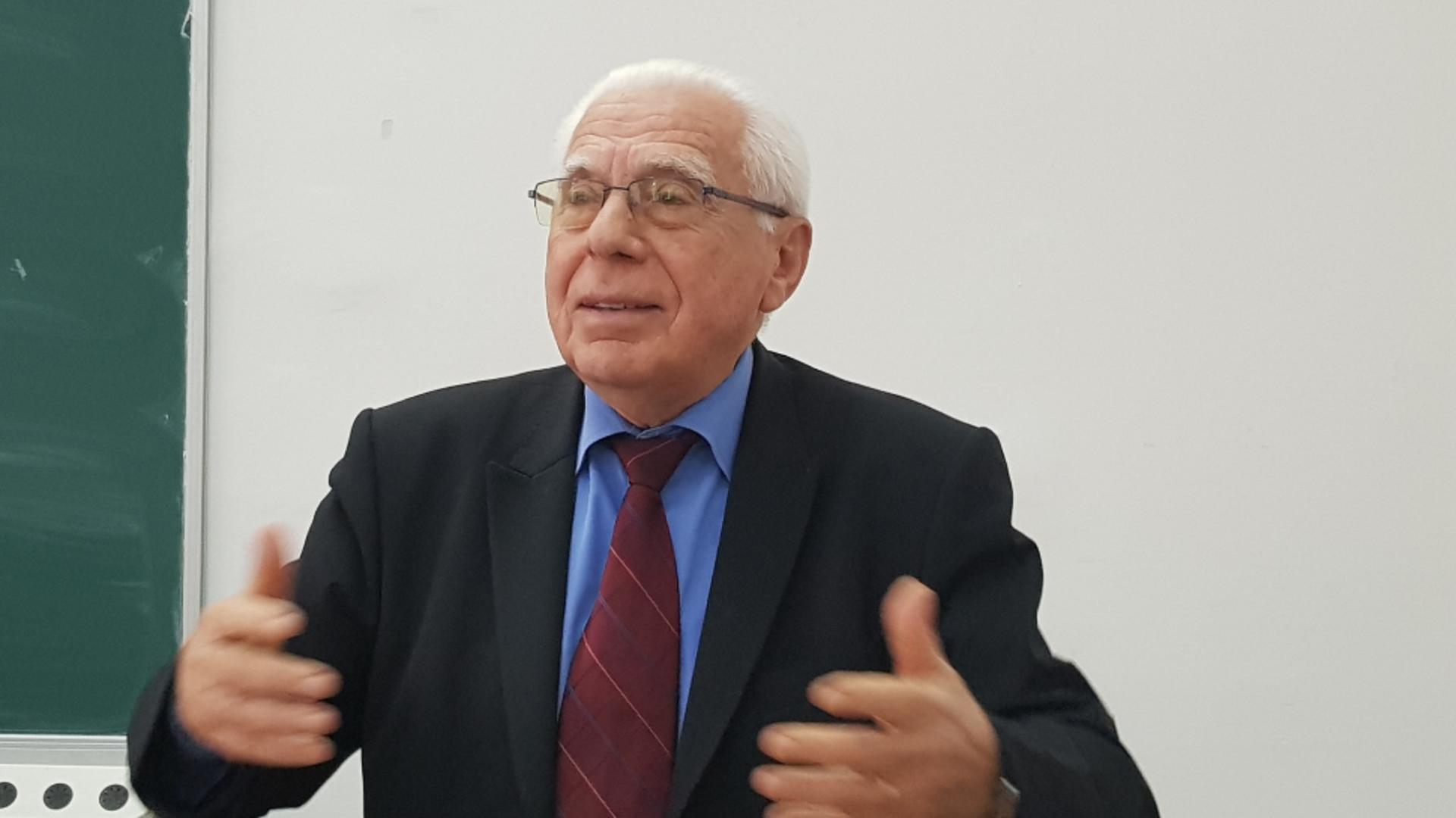 Prof. dr. Ioan Gherghina, medic primar pediatru cu supraspecializare Imunologie Alergologie / Sursă foto: Facebook