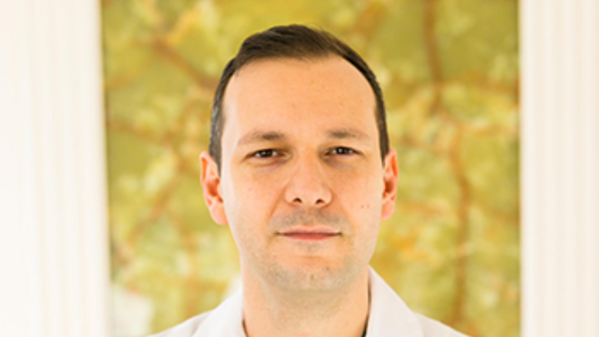 Radu Țincu - medic primar la secția ATI de la Spitalul Floreasca