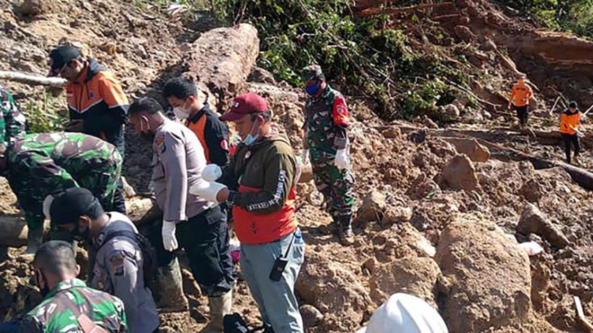Alunecare de teren insula Sumatra