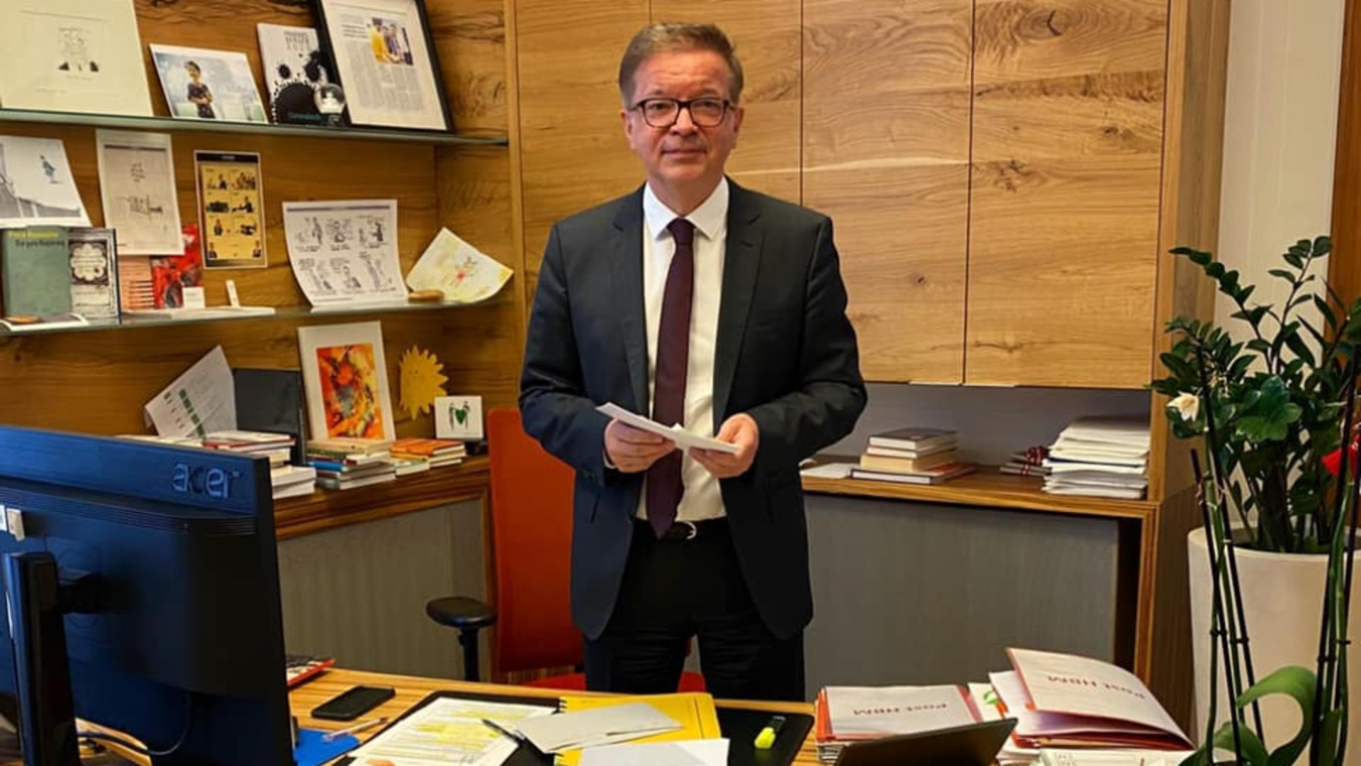 Ministrul sănătății din Austria, Rudolf Anschober. Foto/Facebook