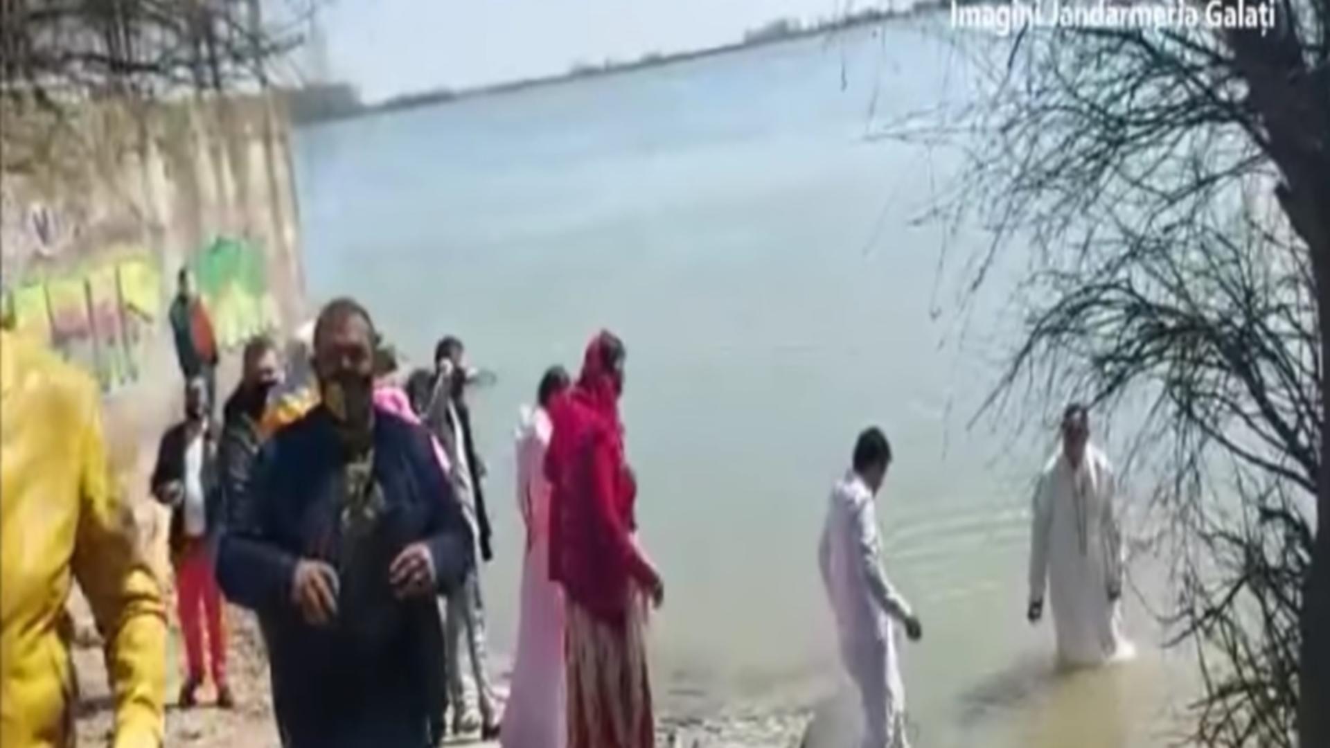 Amenzi pentru botez în Apele Dunării