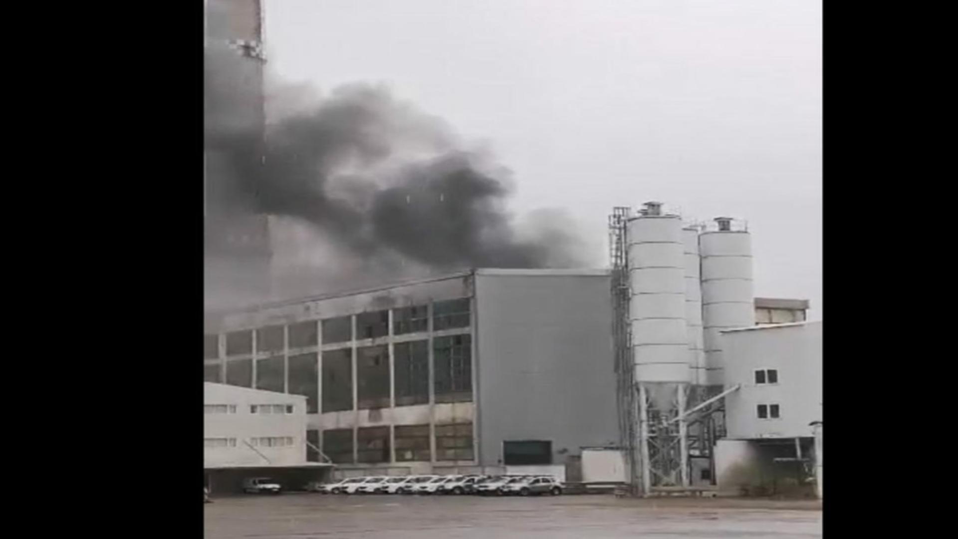 Incendiu depozitul deșeuri periculoase Brazi, Prahova
