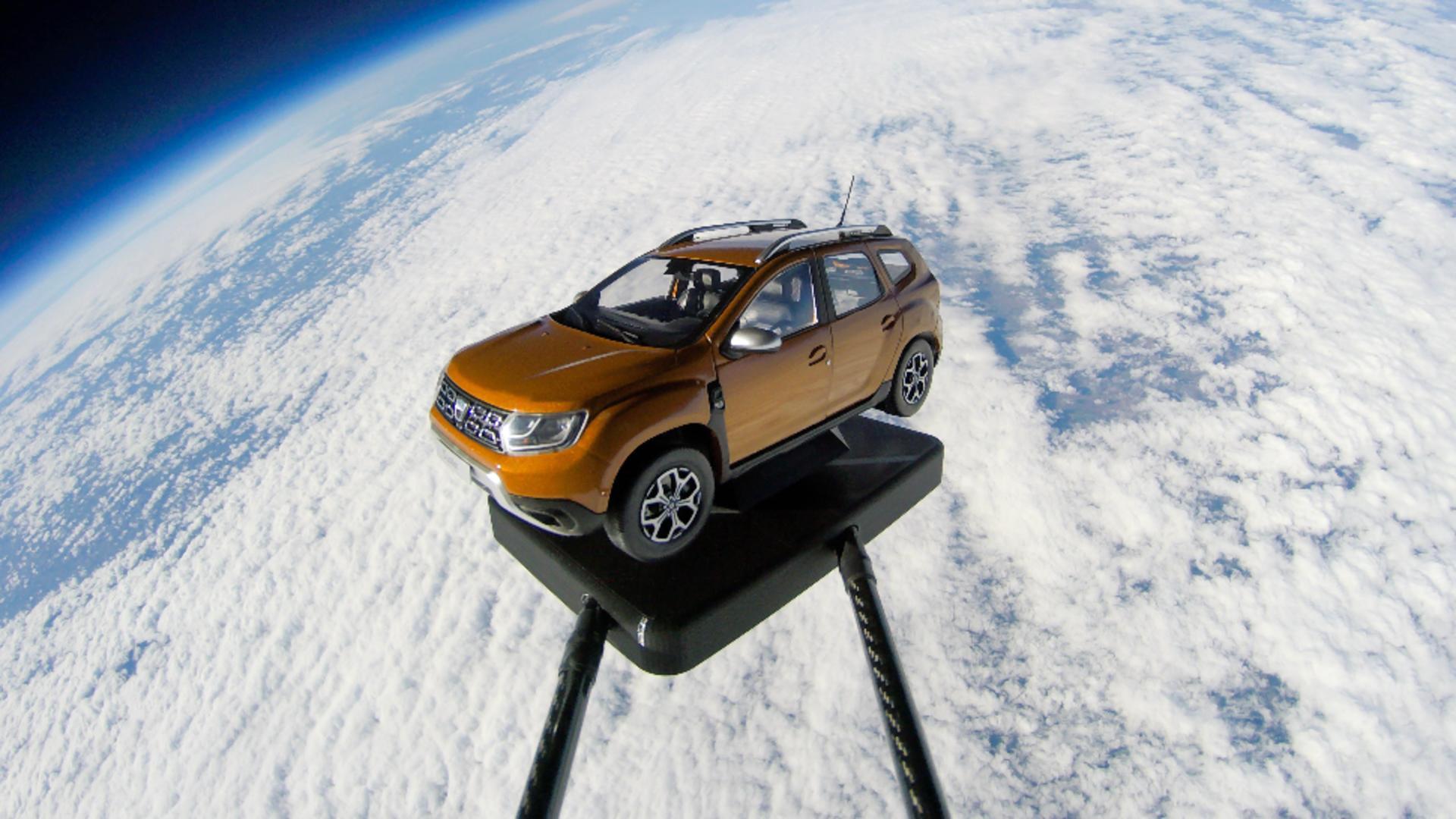 """Dacia Duster are parte de o lansare în """"spațiu"""""""