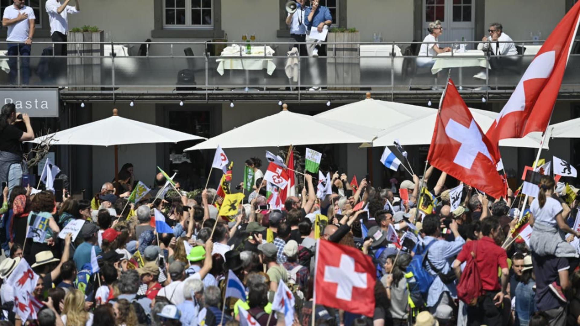 Proteste în Elveția împotriva măsurilor anti-Covid. Foto/tagblatt.ch