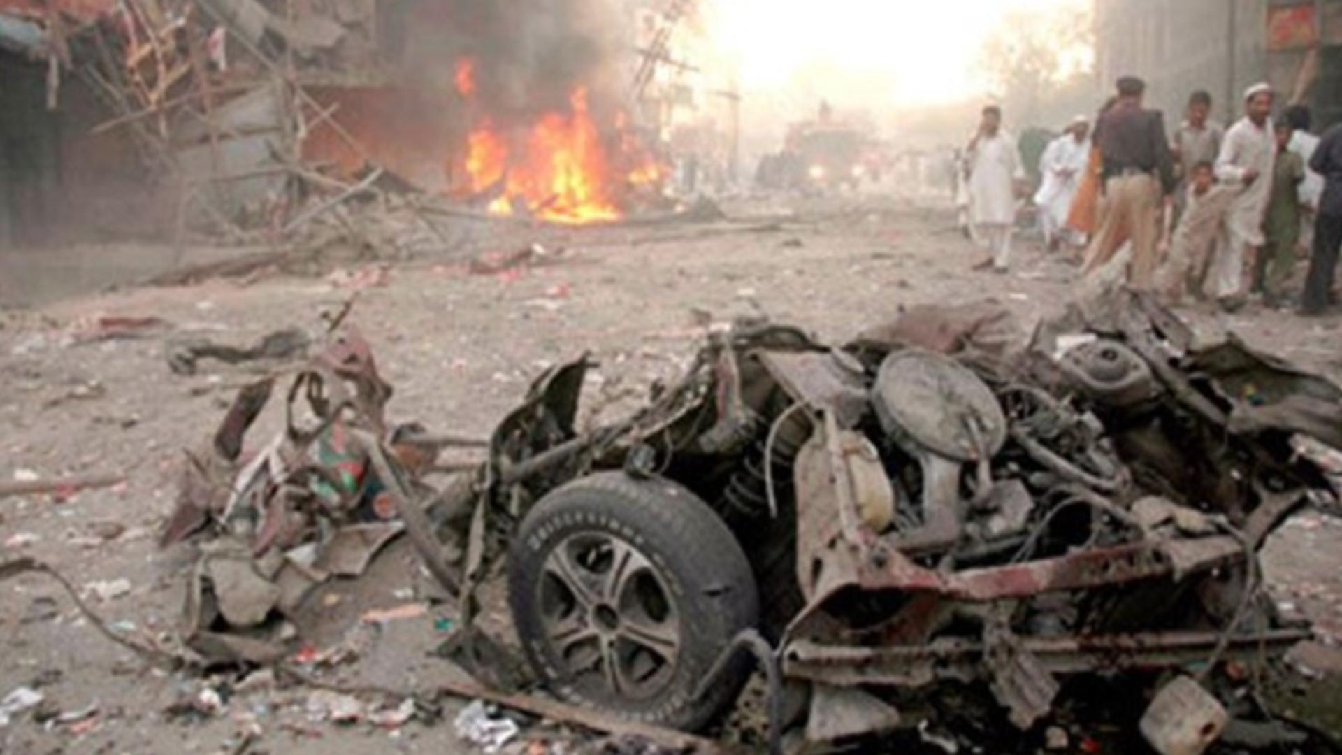Explozie URIAȘĂ în Afganistan - cel puțin 30 de MORȚI și 60 de RĂNIȚI Foto: Twitter.com