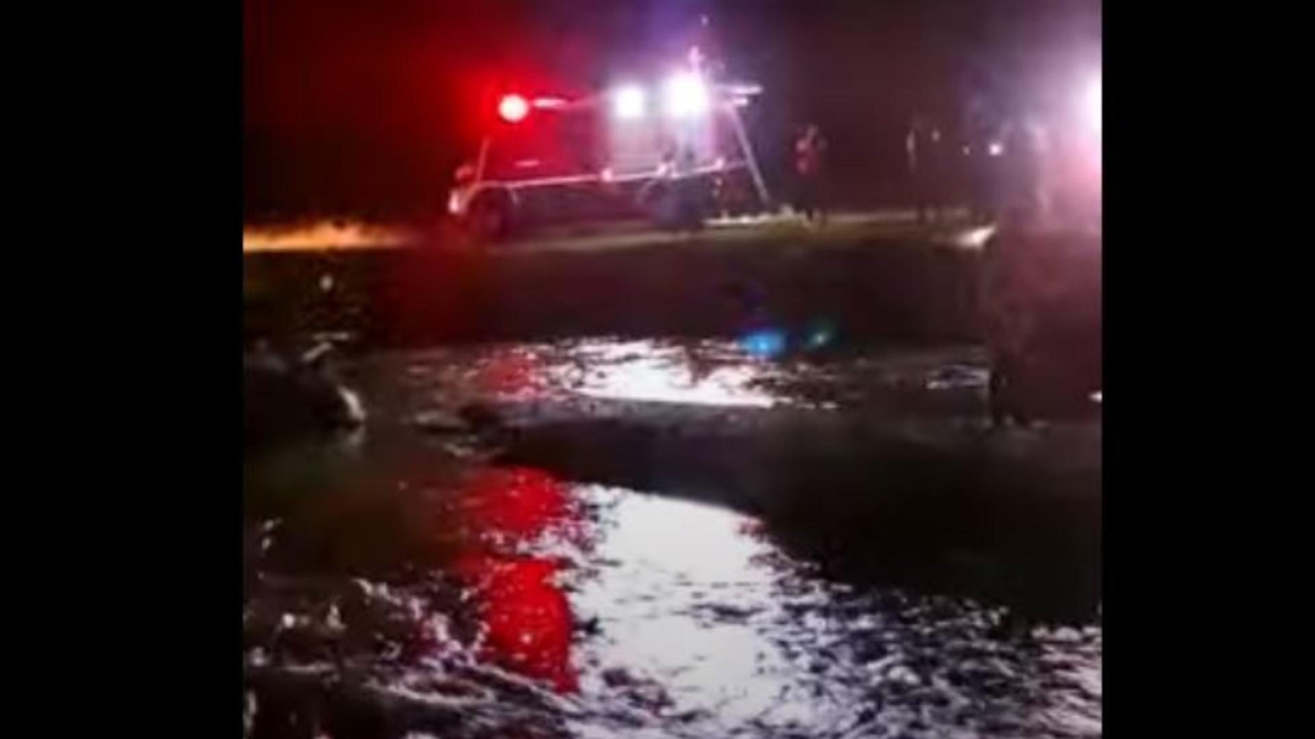 Un copil de 3 ani a murit înecat în râul Cerna din Hunedoara. Foto/Captură video