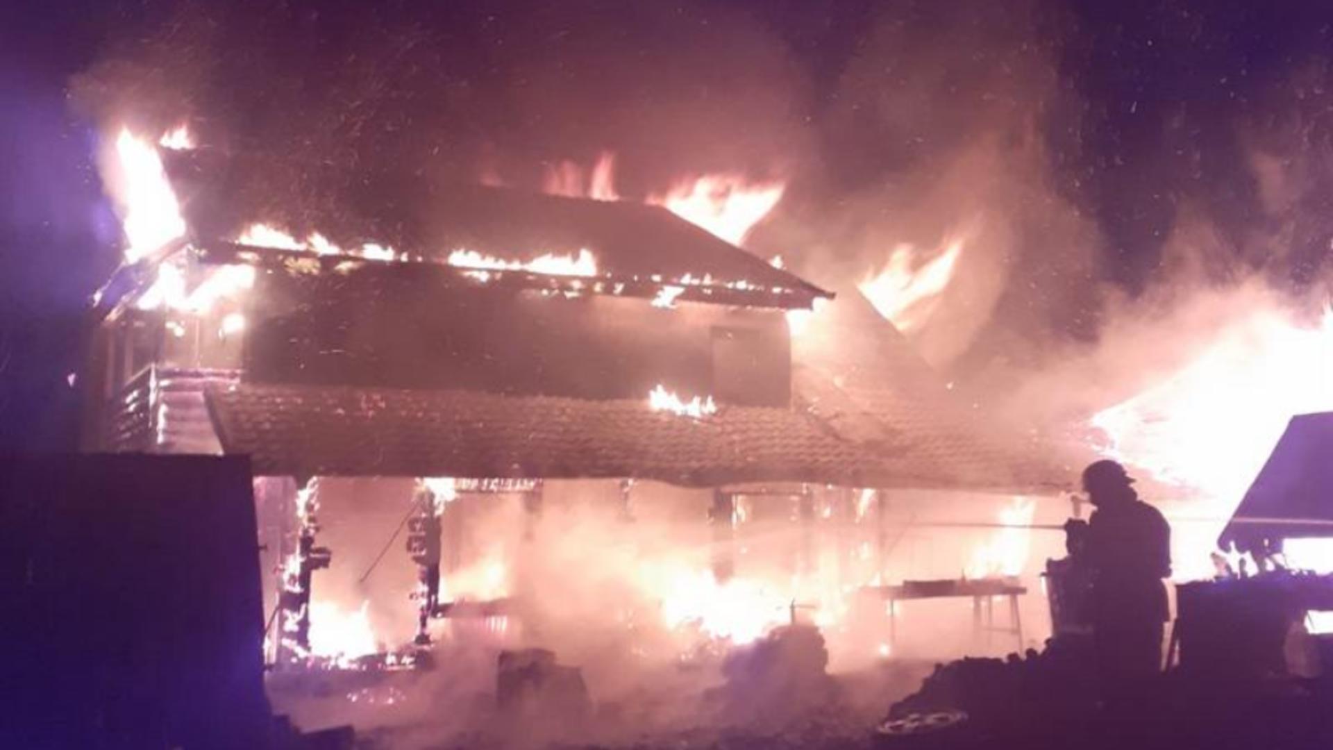 Incendiu Săveni