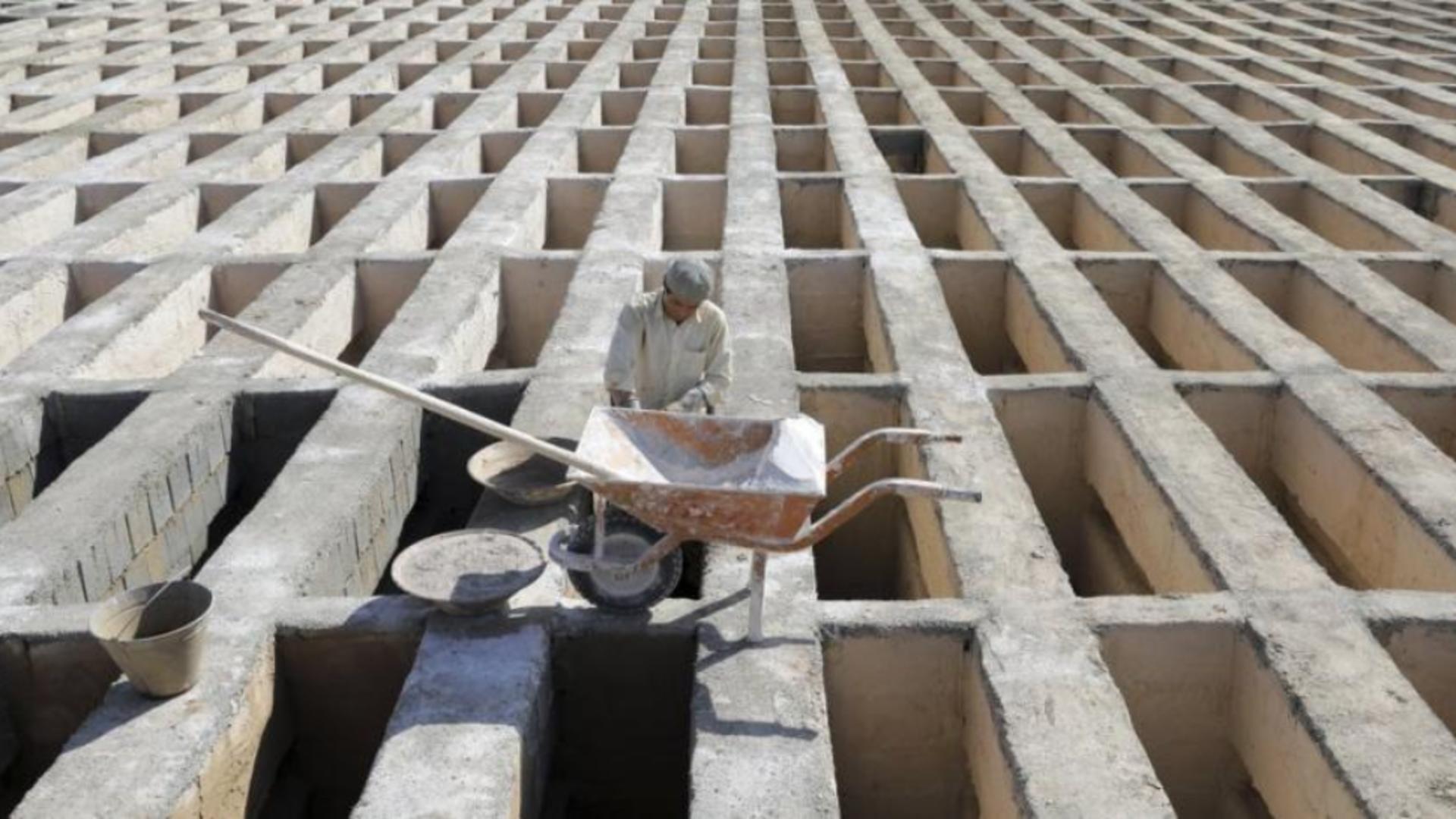 Îm Teheran se construiesc morminte cu 4 niveluri. Foto/ awsat.com