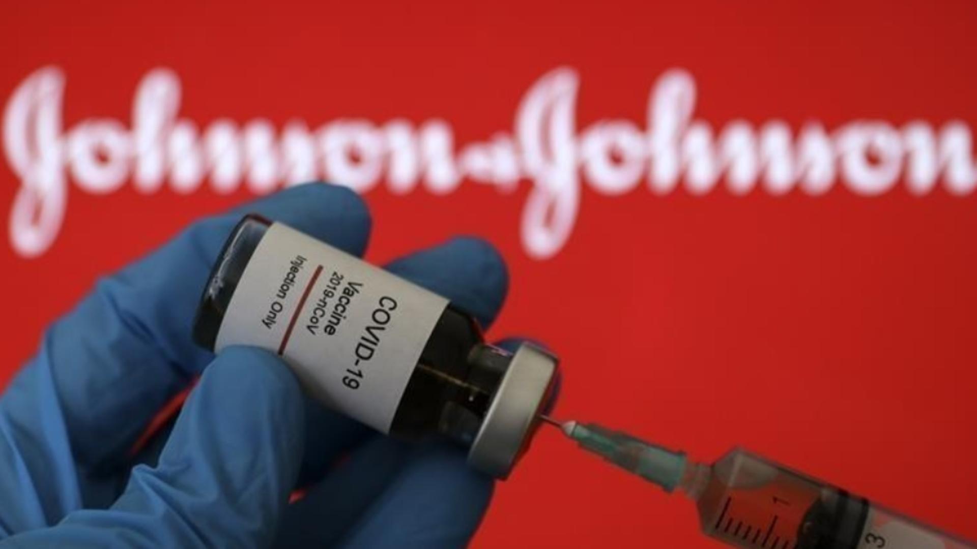 Johnson&Johnson reacționează semnalarea cazurilor de cheaguri de sânge după imunizarea anti-COVID-19