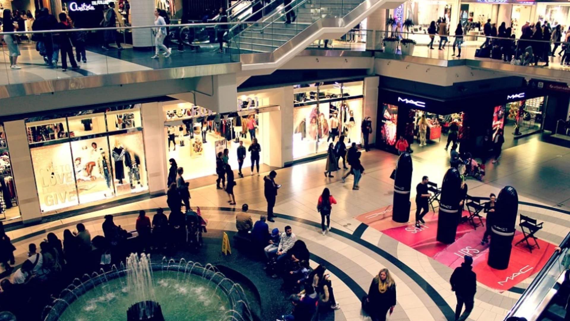 NEGOCIERI în Capitală pentru prelungirea orei de închidere a magazinelor din cauza aglomerației