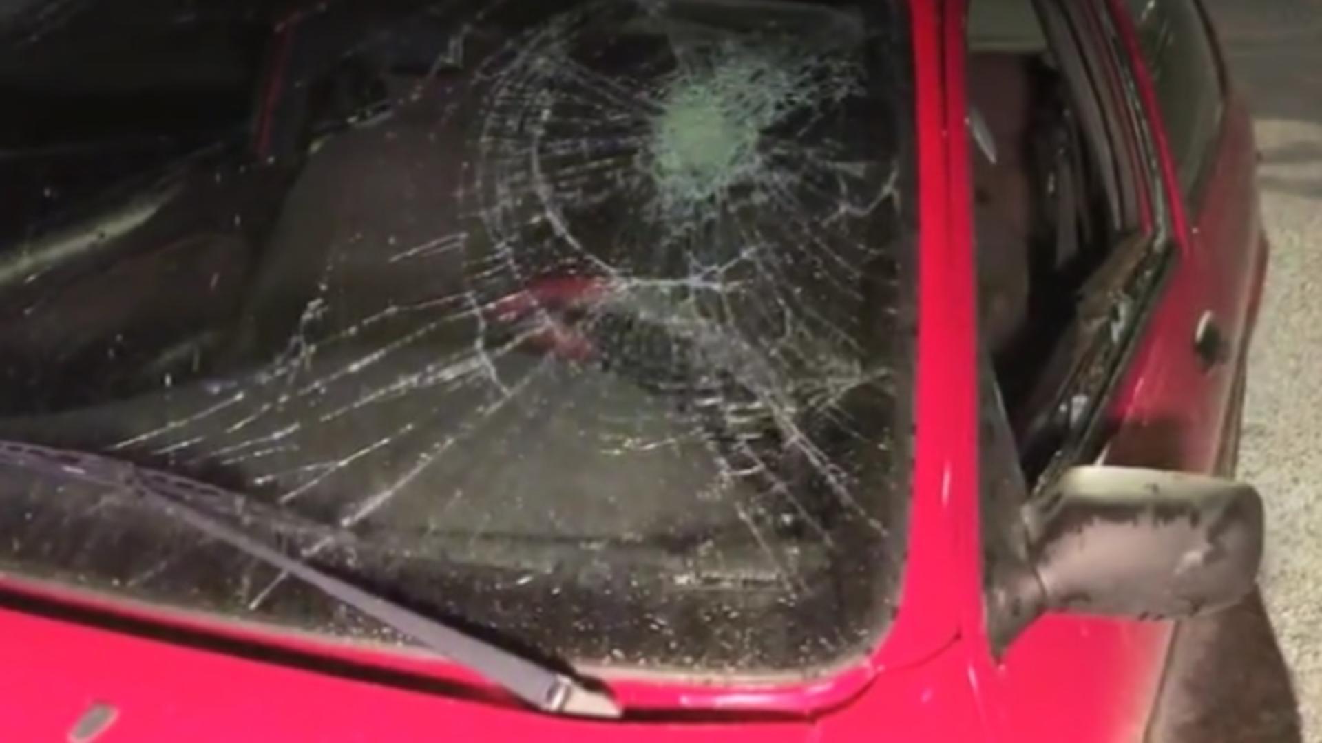 Poliţiştii sunt în alertă, după ce un autoturism a fost distrus în centrul Craiovei
