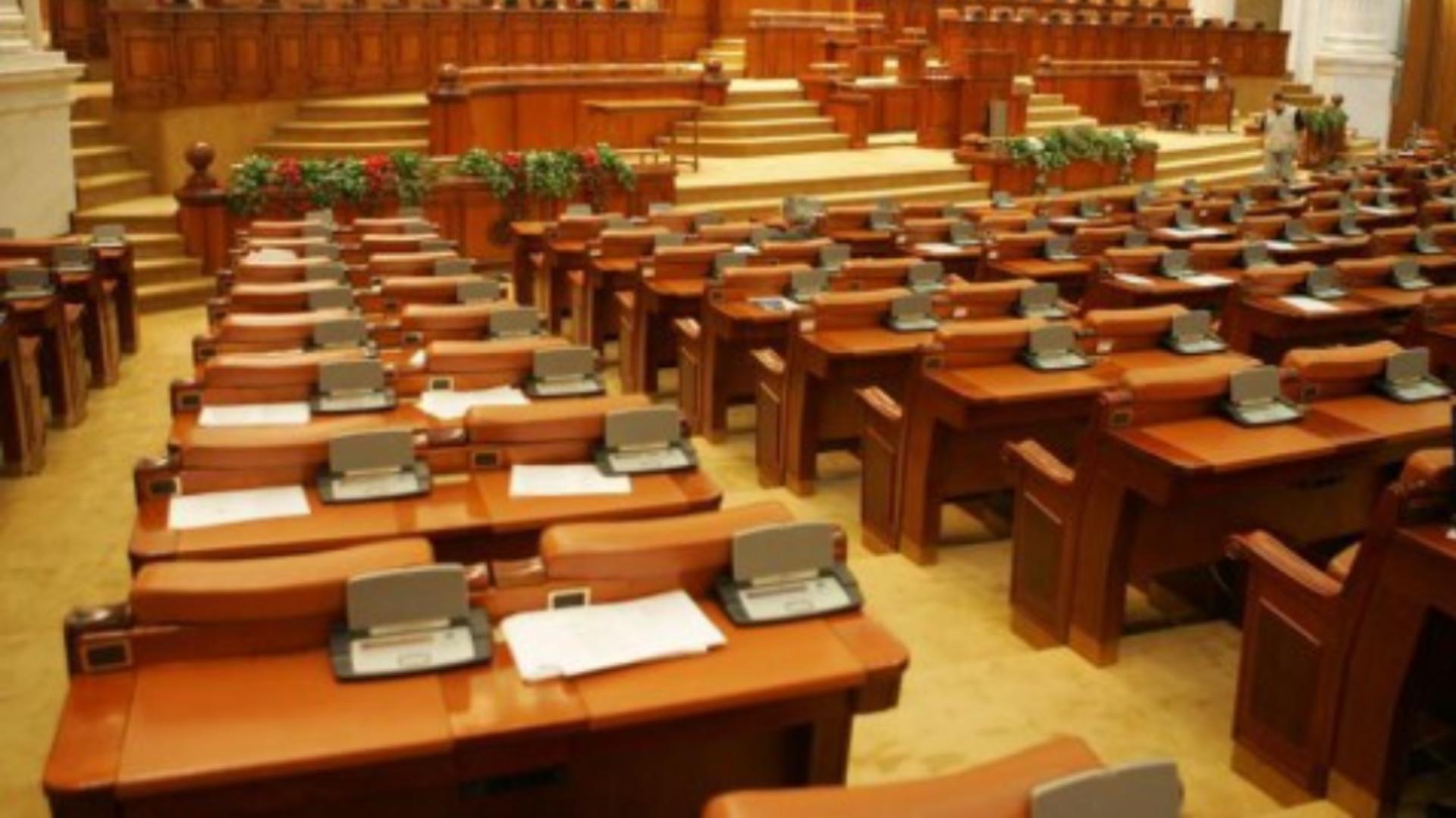 Parlamentul rămâne gol înaintea vacanței de Paște - De ce fug parlamentarii din Casa Poporului