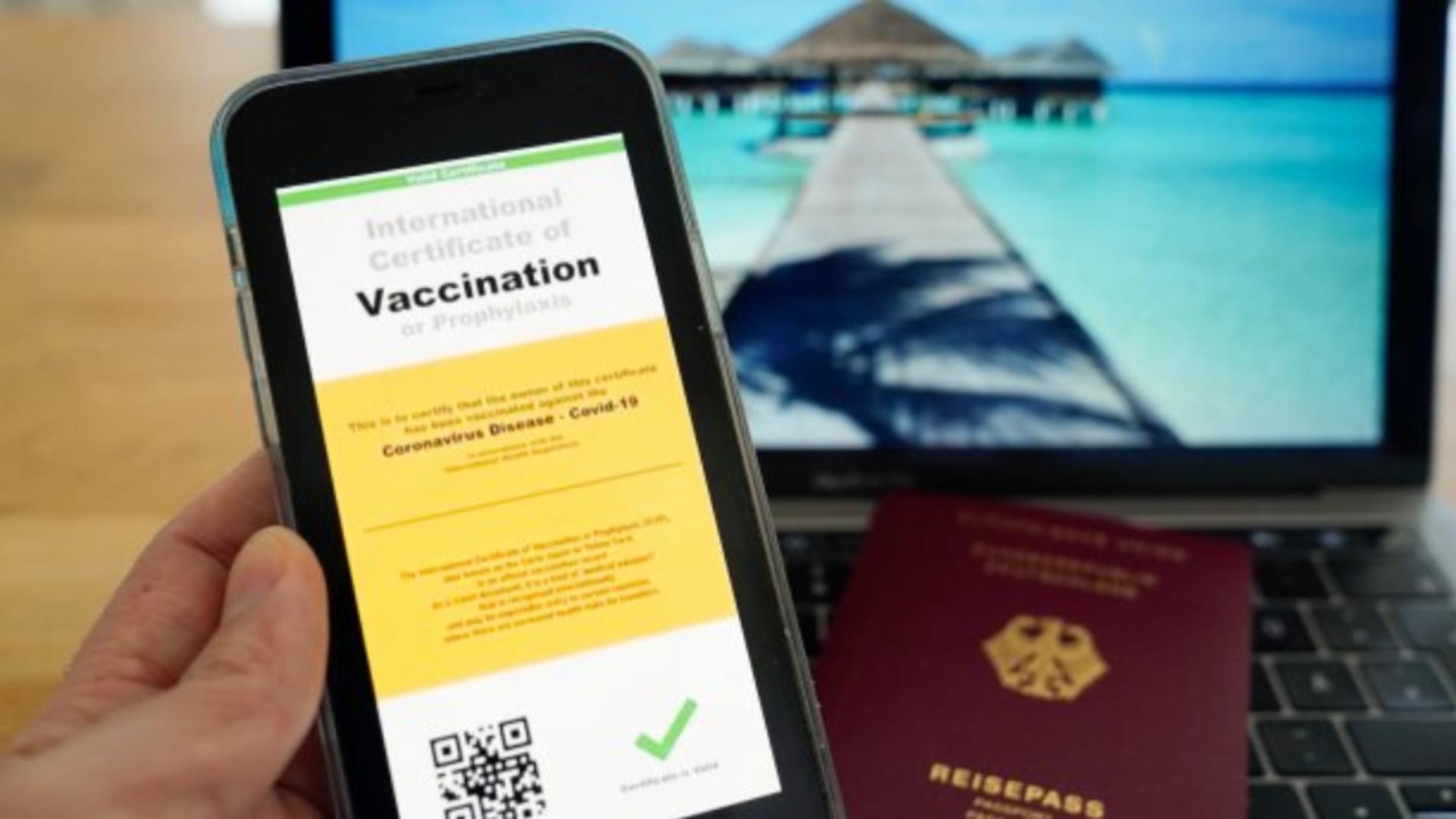 Certificatul Covid este necesar numai acolo unde se cere adeverinţă de vaccinare sau test. Foto/Arhivă