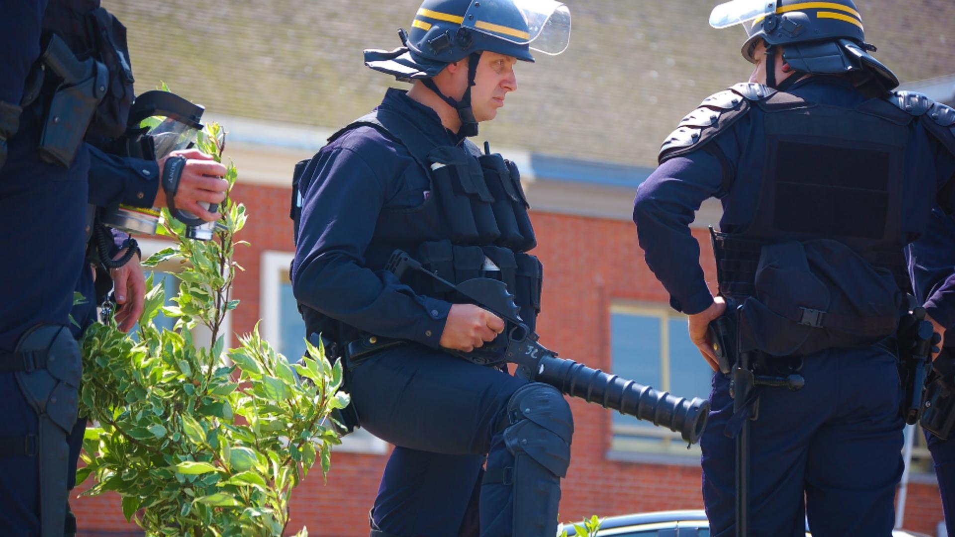Politie franceza/atac sangeros in Paris