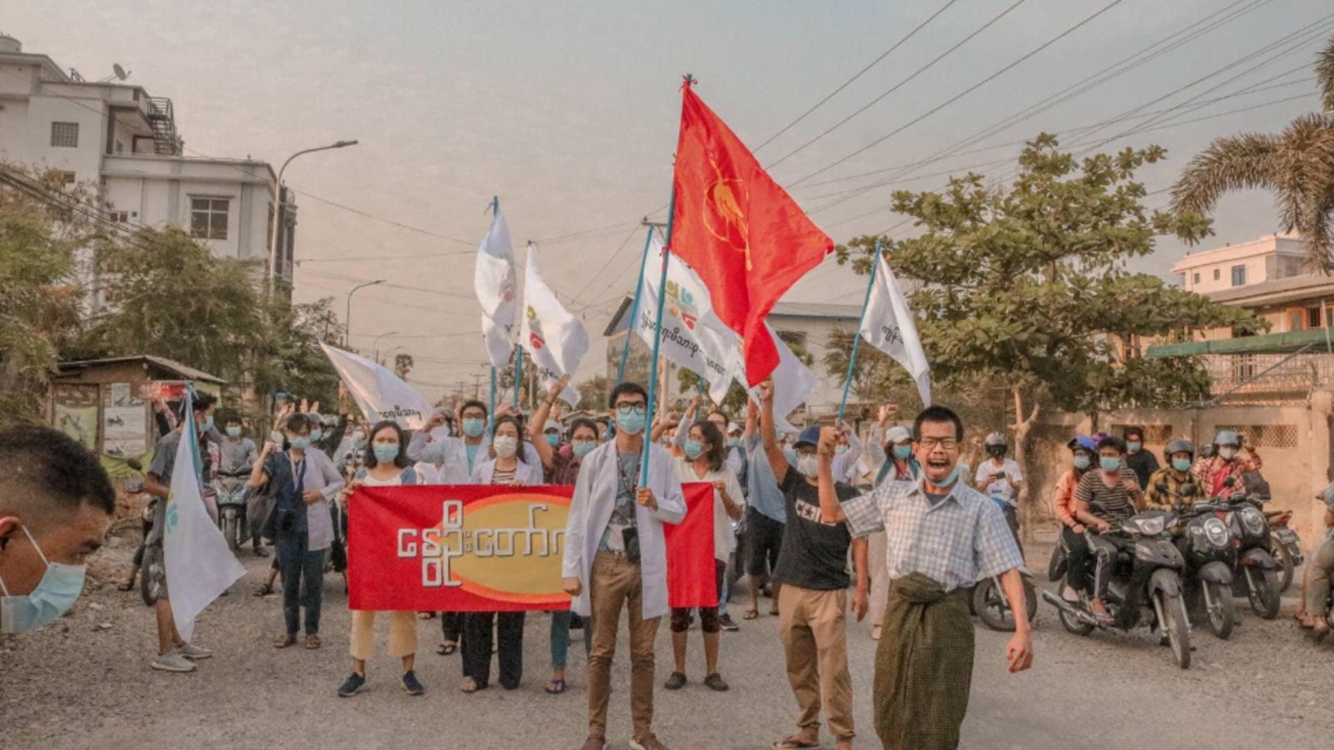 Proteste în Myanmar, înăbușite în sânge