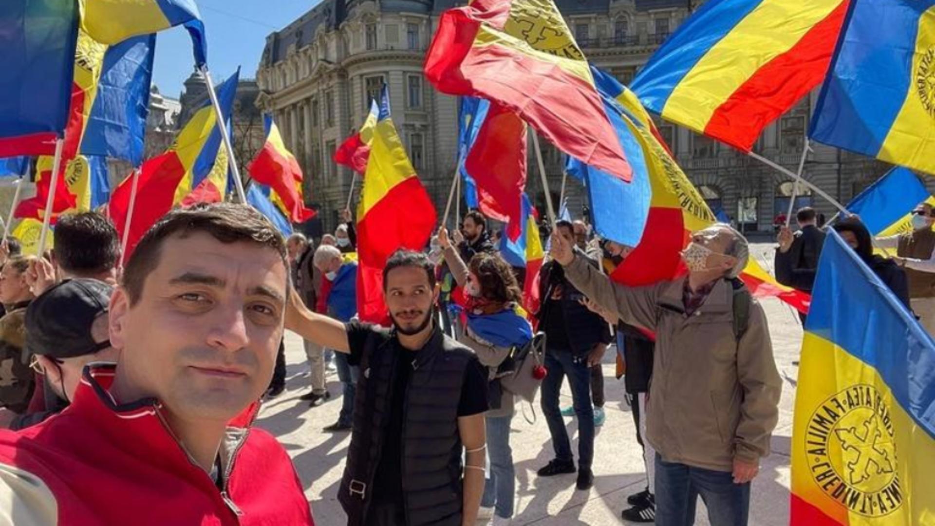 Noi proteste antirestricții în fața Palatului Cotroceni