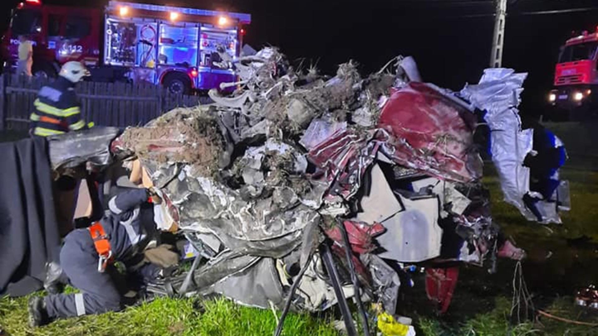 Accident cu trei morți, în județul Suceava / Foto: ISU