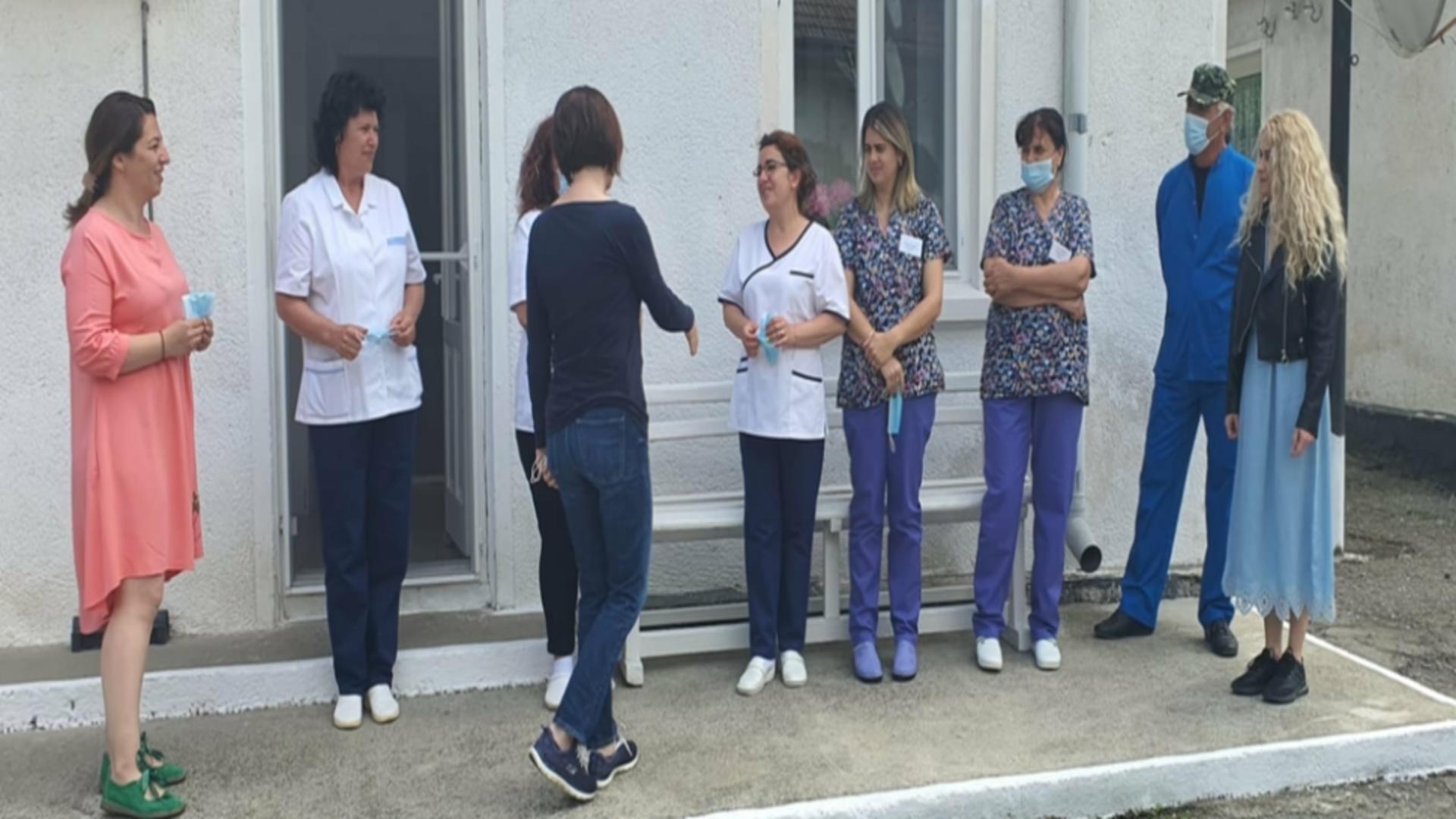 Ministrul Sănătății, Ioana Mihăilă, și secretarul de stat Monica Althamer, în vizită la Spitalul Tichilești din Tulcea / Foto: Facebook Ministerul Sănătății