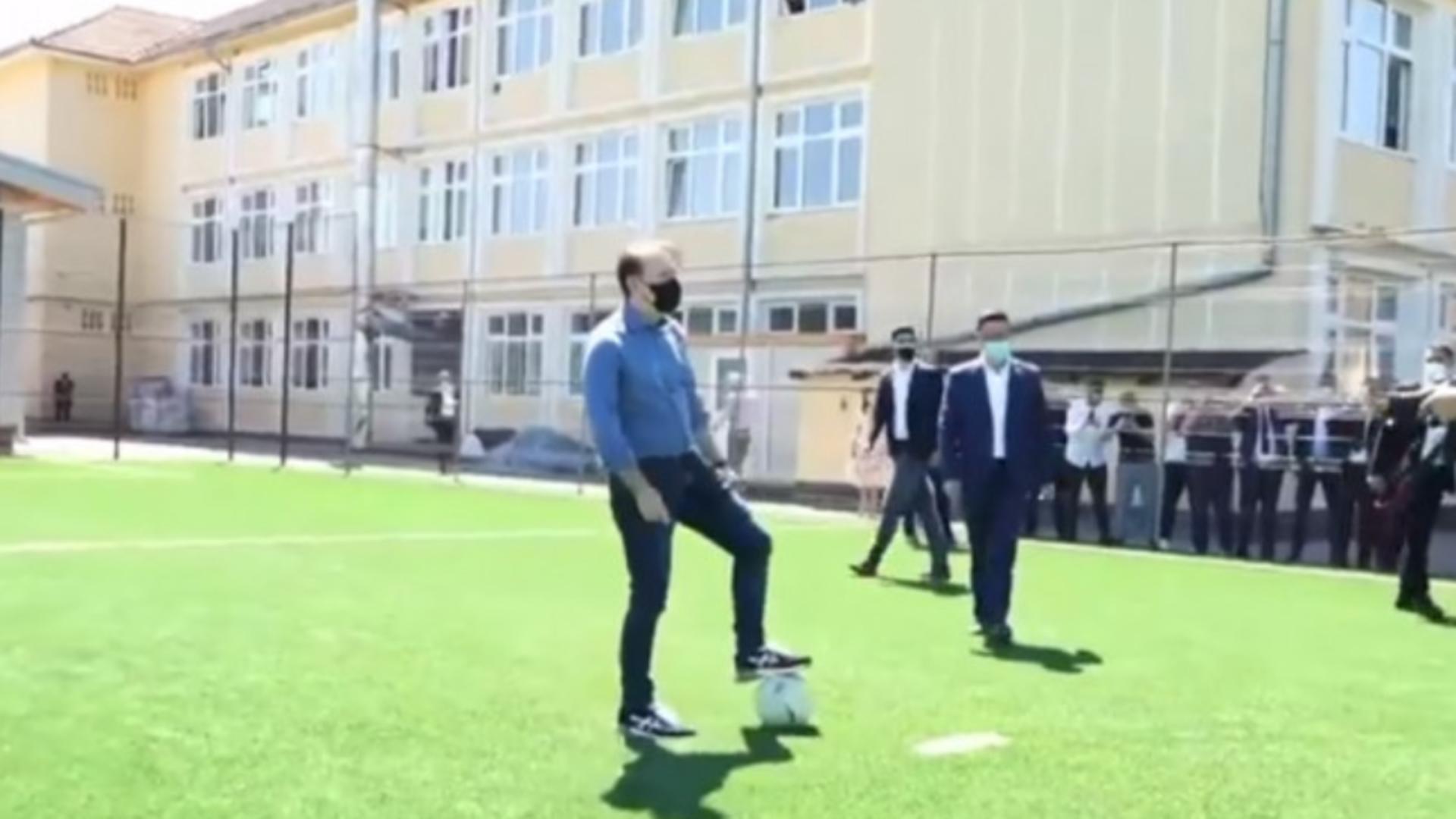 Florin Citu pe terenul de fotbal (sursă: FB/captura video)
