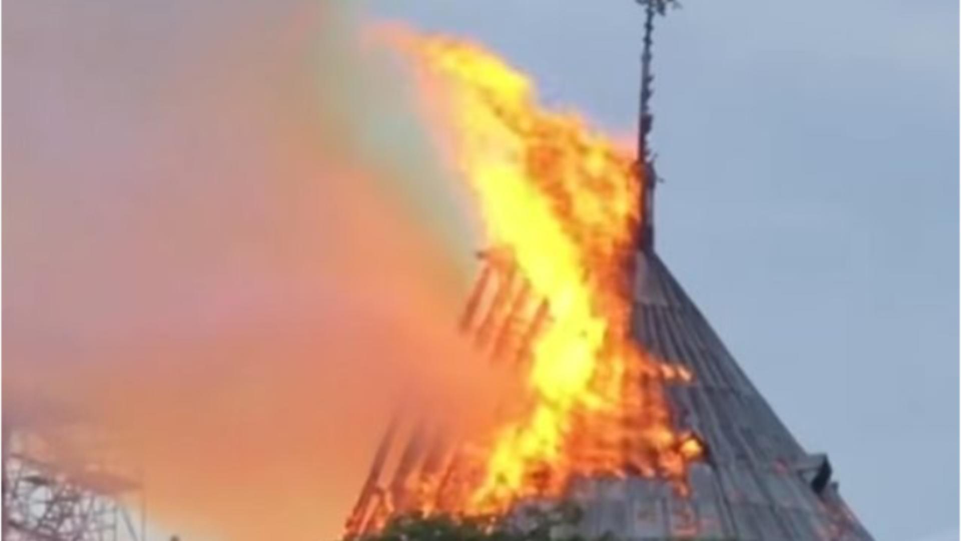 Incendiu catedrala Notre-Dame Paris - Captură foto