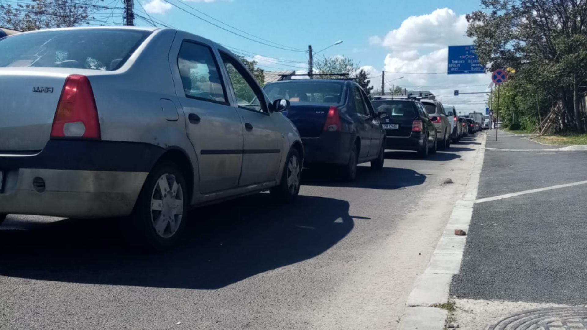 Aglomeratie in trafic, soseaua Bucuresti-Targoviste (foto: Emanuel Focsan)