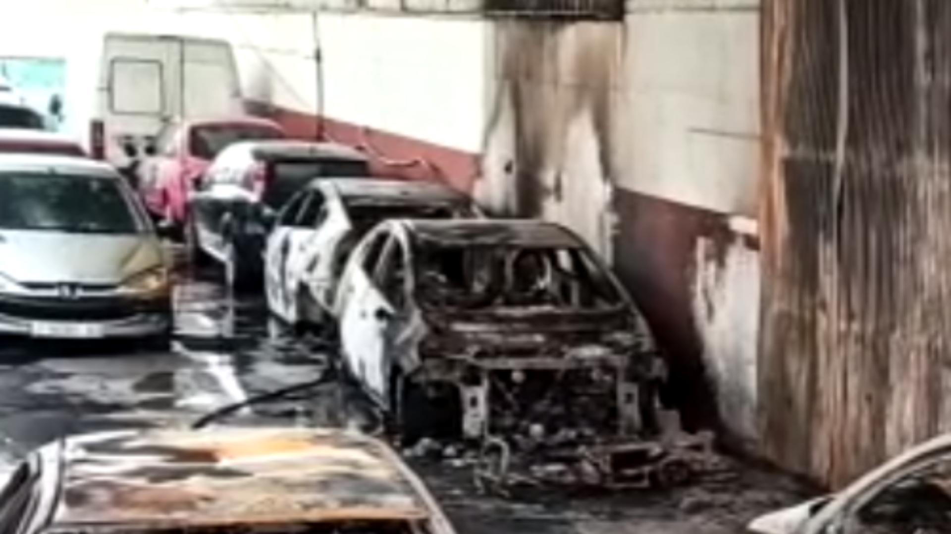 Incendiu la un atelier auto. Foto: captură sevilla. abc.es