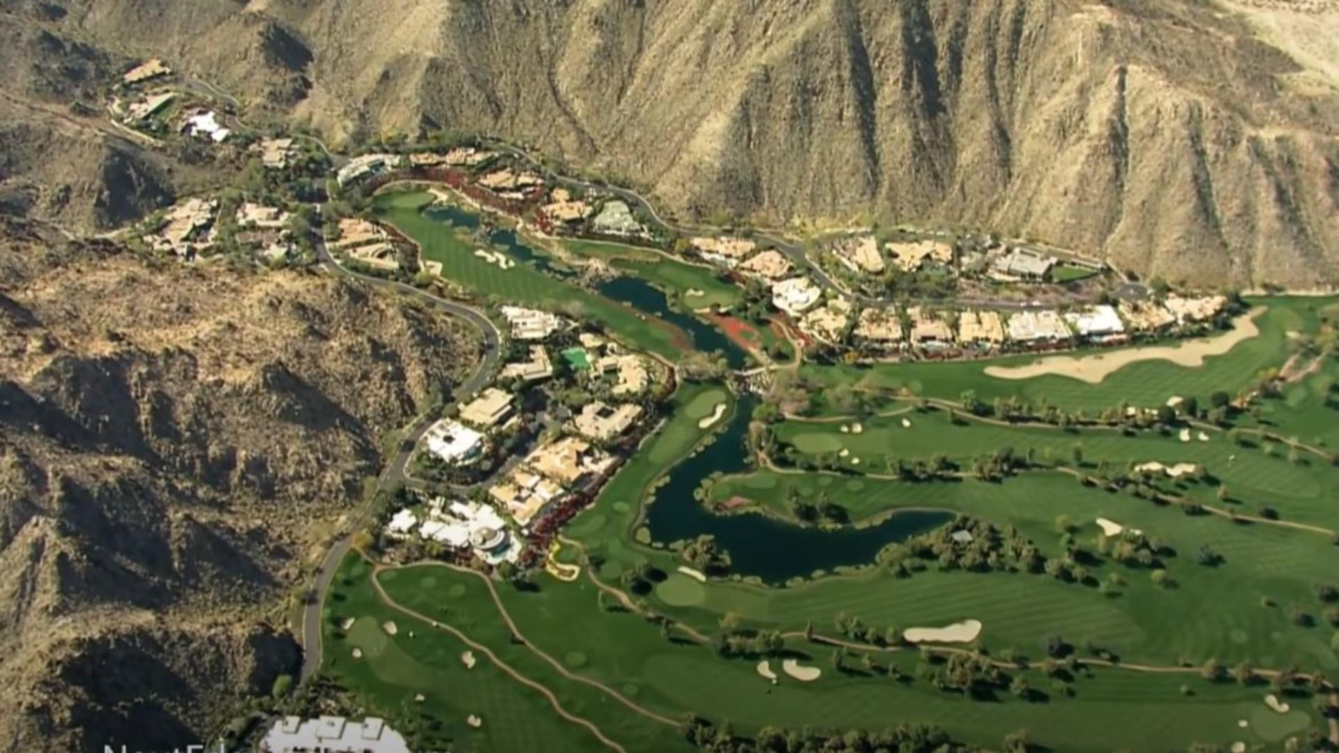 Complexul rezidențial de lux unde Bill Gates are o vilă de aproape 13 milioane de dolari. Foto/Captură video.