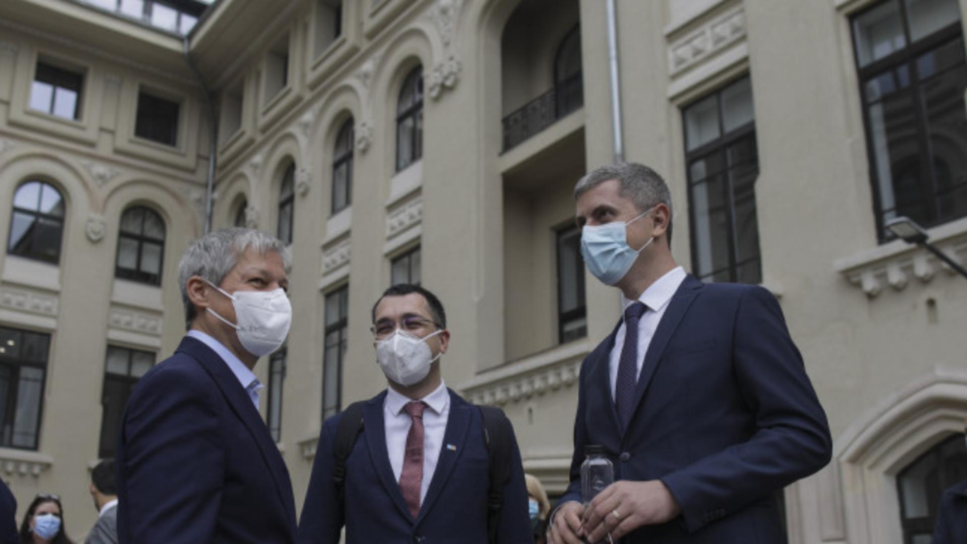 INSOMAR - SONDAJUL care clatină USR-PLUS. Cum văd românii acțiunile lui Vlad Voiculescu Foto: INQUAM