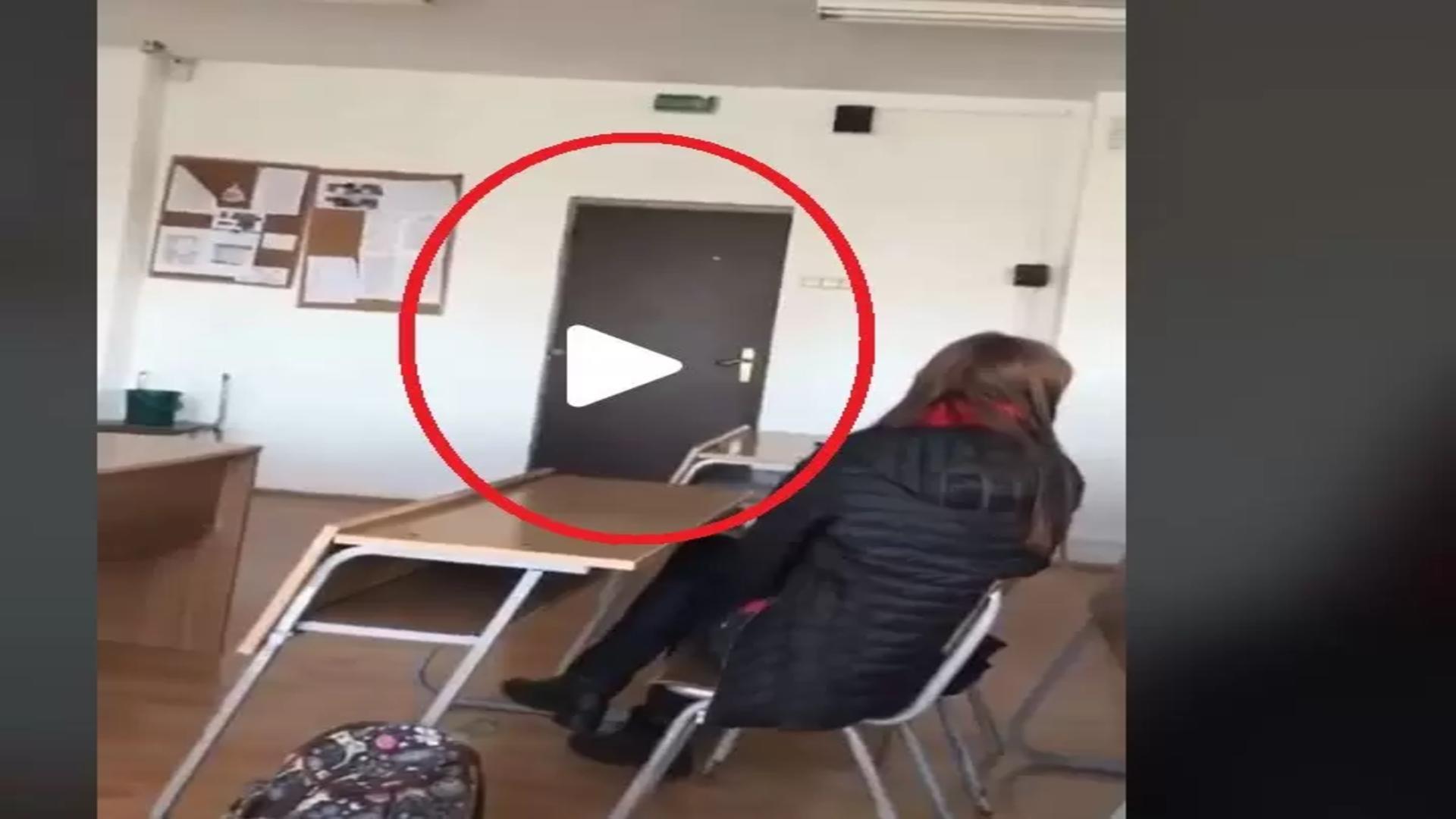Ușa unei clase