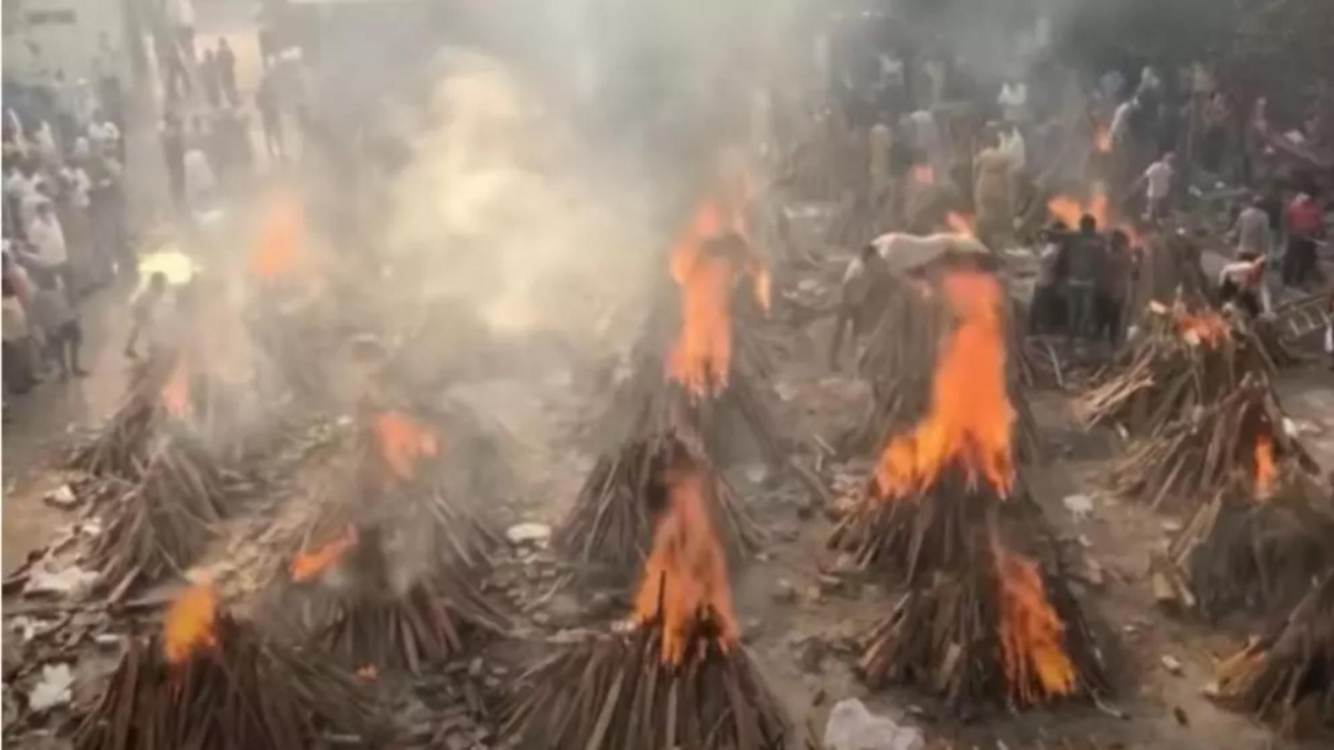 India, îngenuncheată de pandemie. Foto: captură YouTube