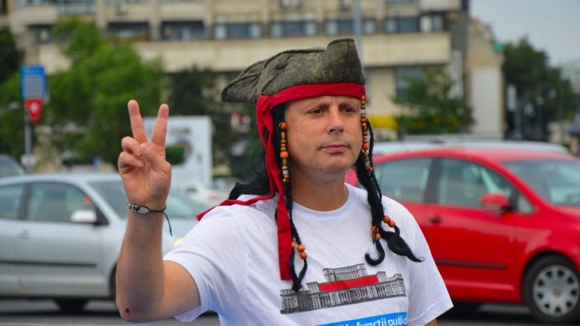 "Protestatarul Marian ""Ceausescu"""