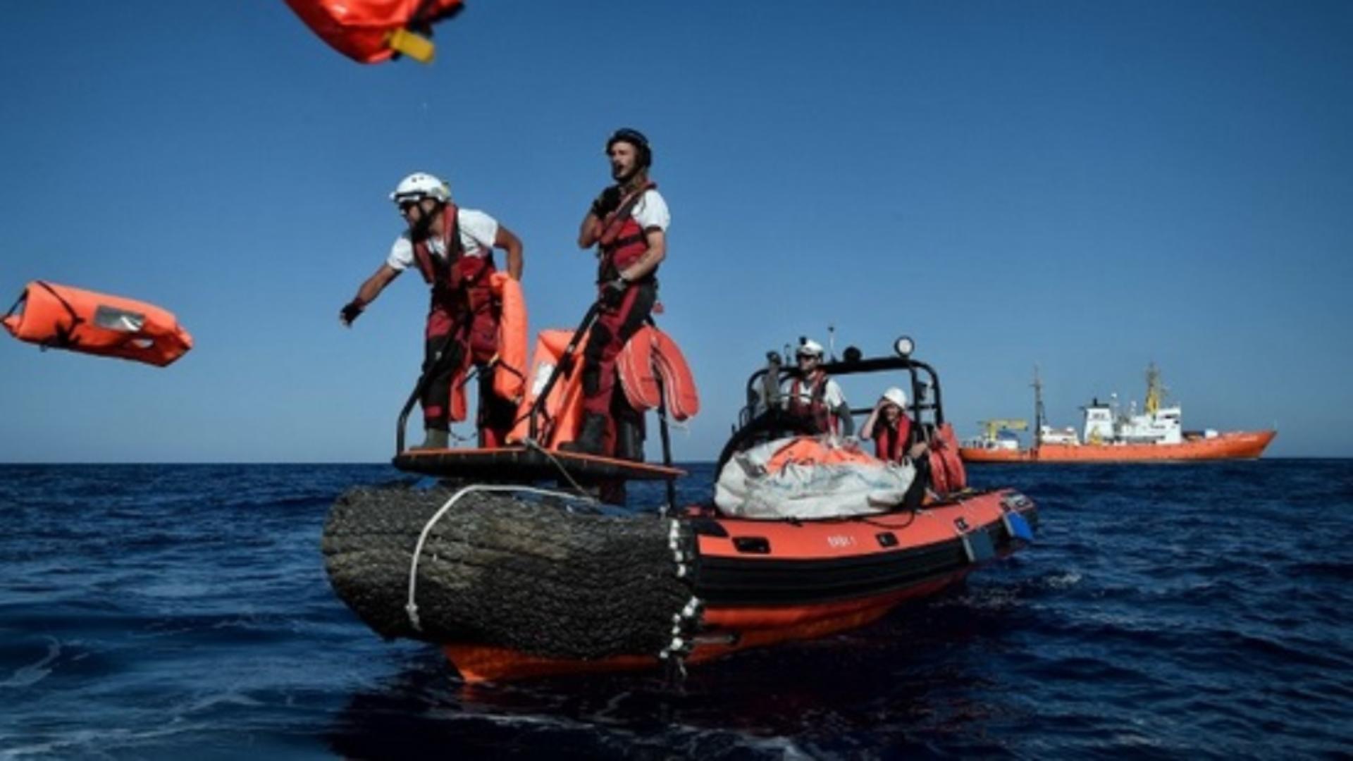 O ambarcaţiune supraaglomerată transportând foarte probabil imigranţi ilegali a naufragiat / Foto: Arhivă