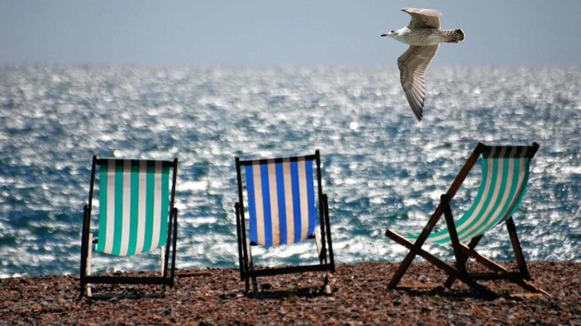 Grecia își redeschide plajele, de săptămâna viitoare