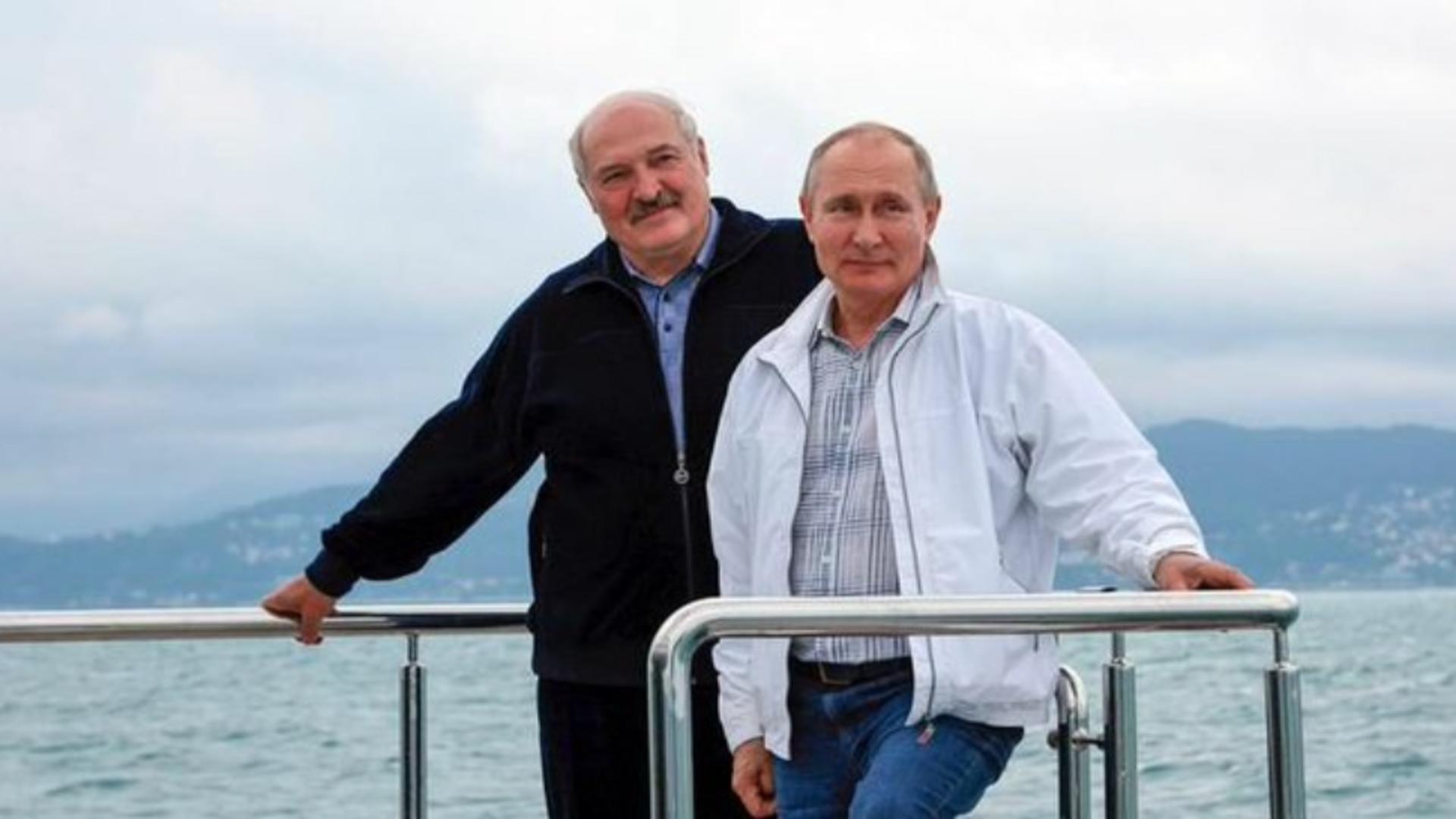 Lukașenko, primit de Putin și plimbat cu iahtul după reacțiile internaționale la deturnarea de la Minsk și arestarea lui Protasevici
