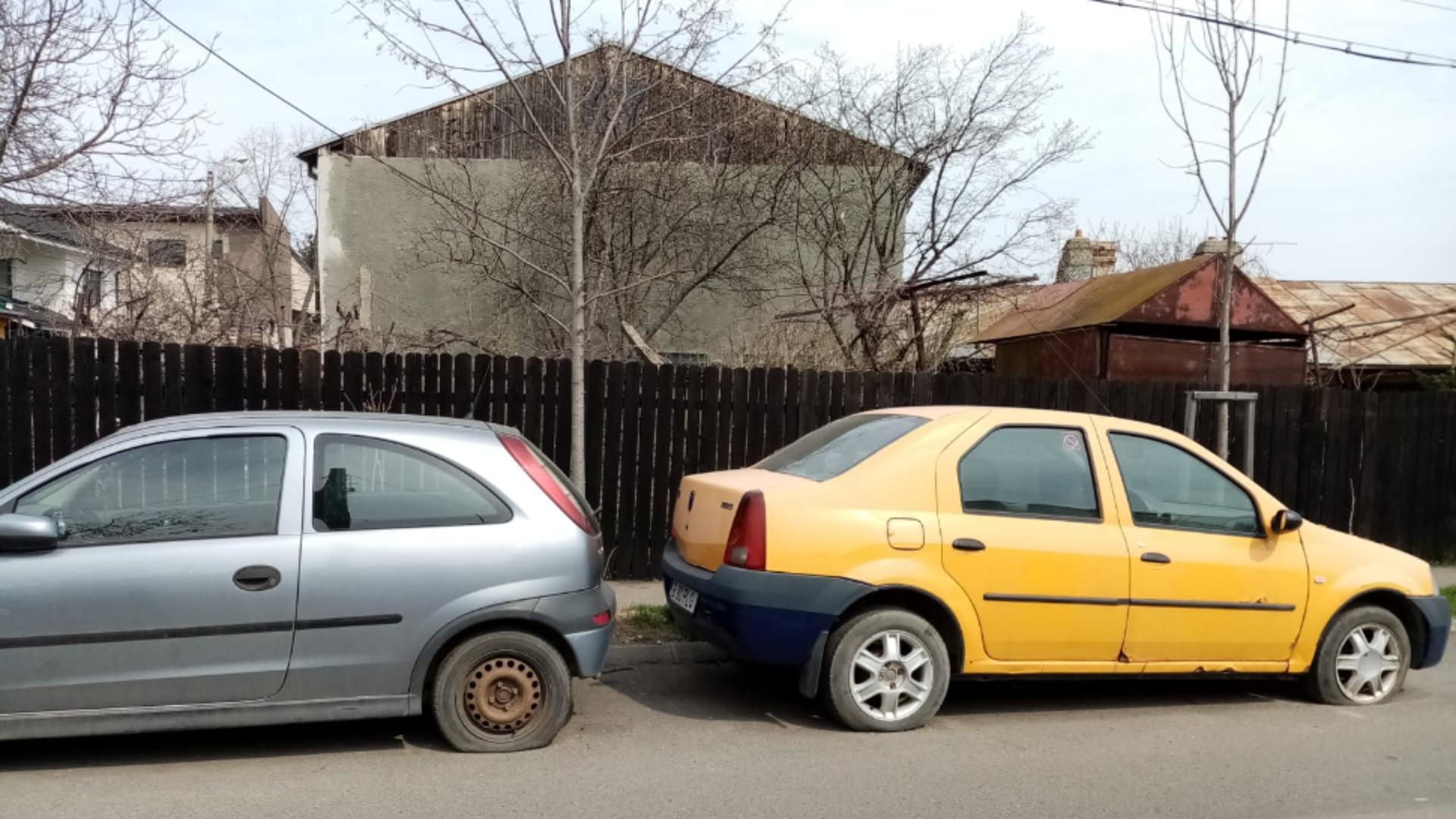 Autoturisme abandonate pe marginea drumului (foto: Emanuel Focsan)