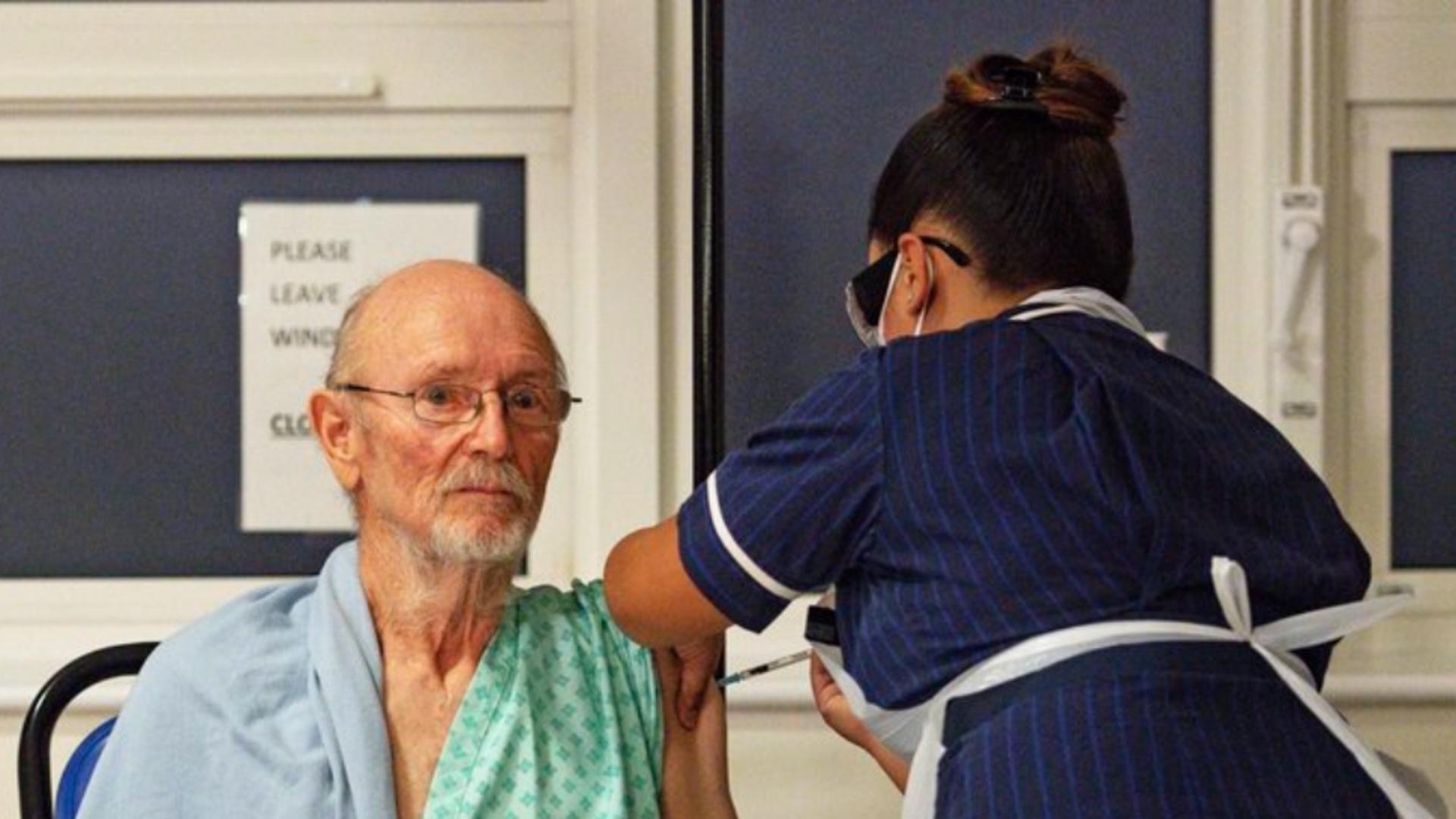 Primul bărbat vaccinat împotriva COVID-19 din lume A MURIT