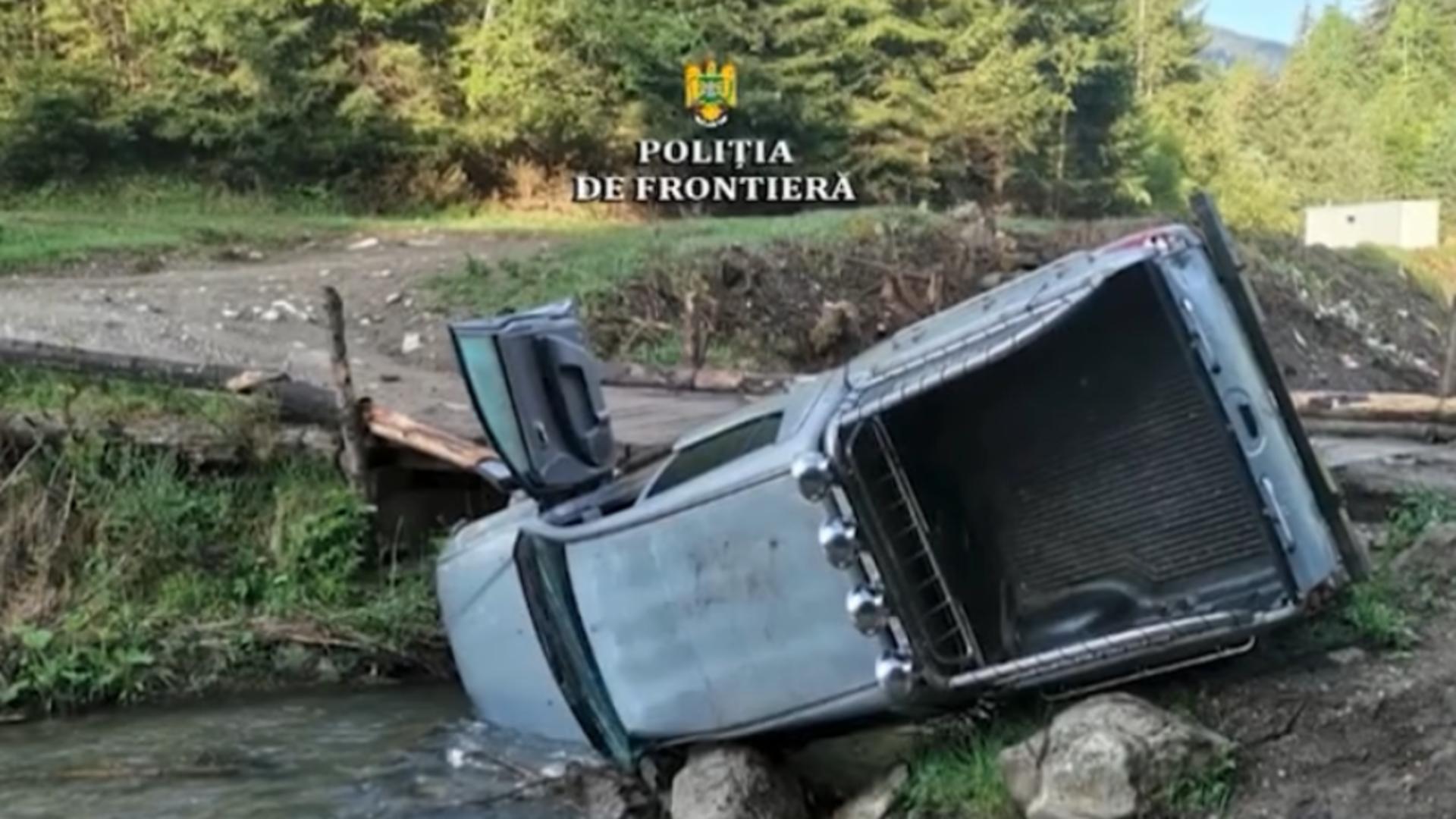 Mașină răsturnată / Captură foto