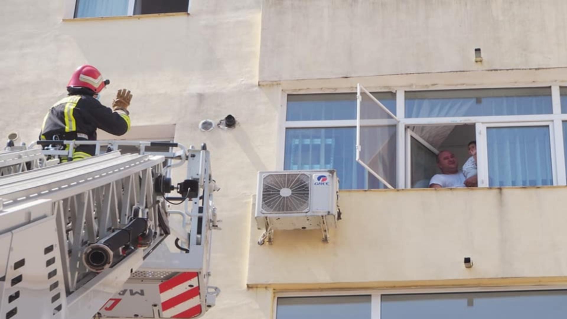 Incendiu bloc Craiova