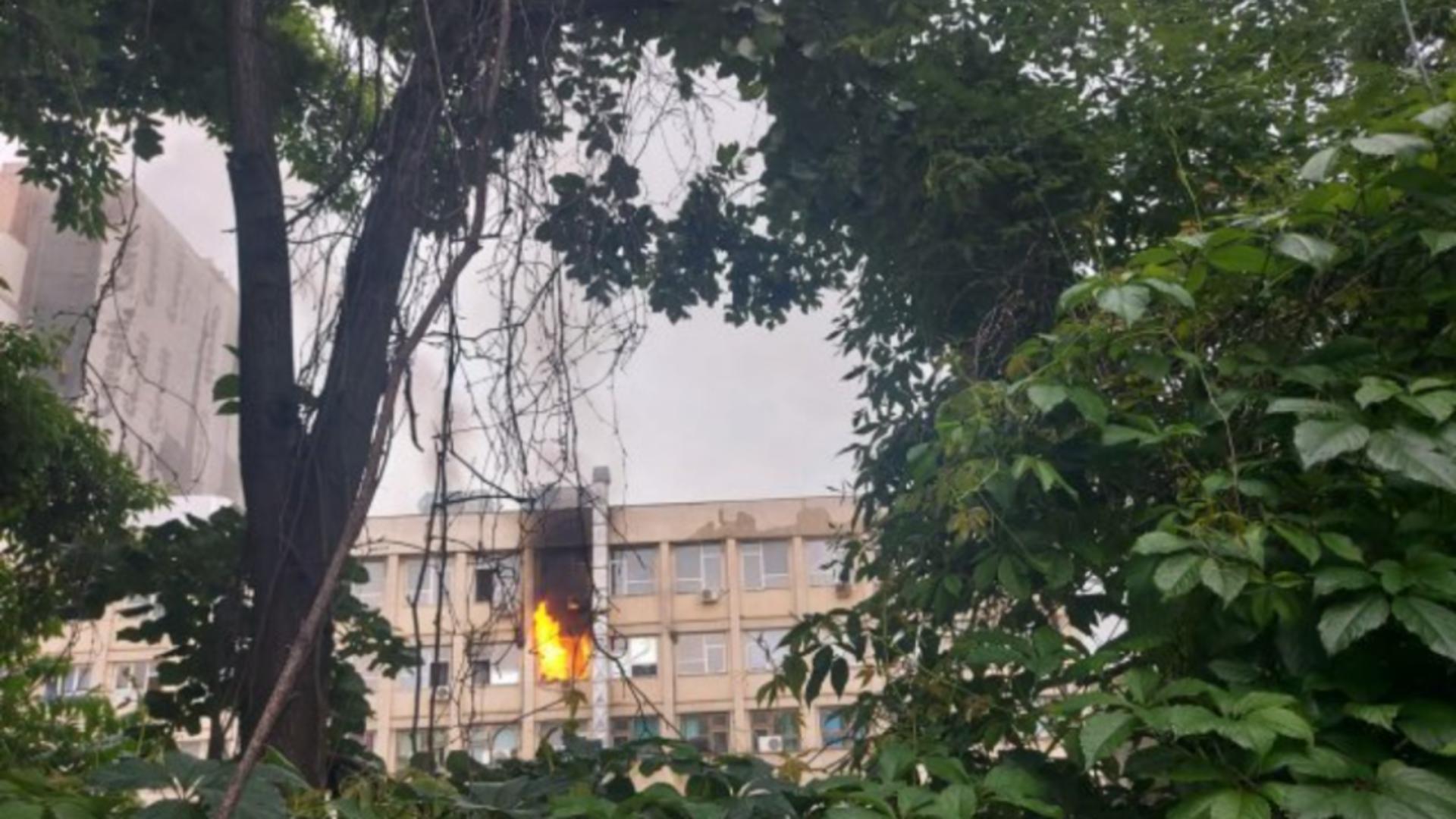 Incendiu la etajul 2 al Spitalului de copii Iași Copi Iași