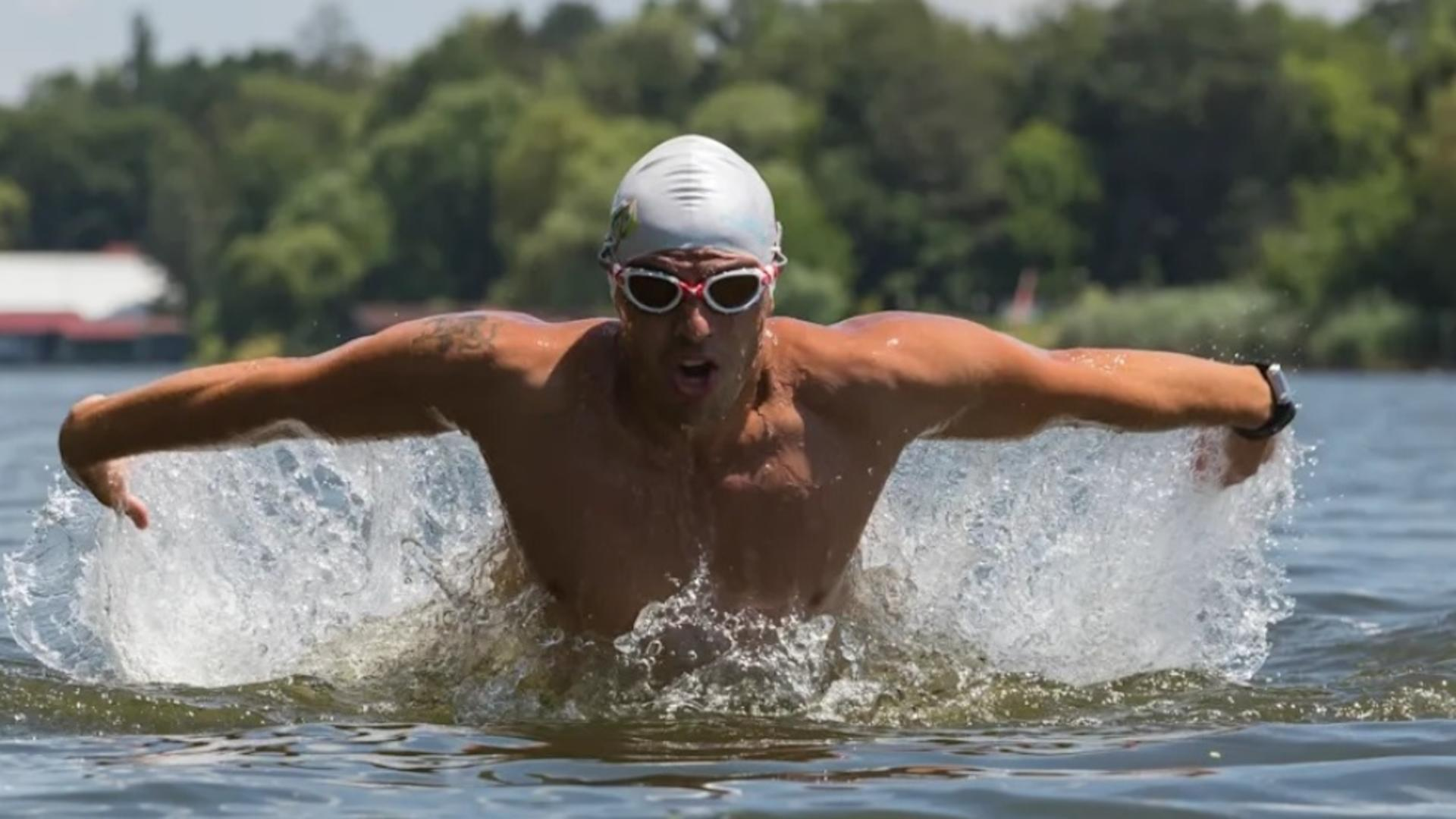 Paul Georgescu, la ultramaraton după Cartea Recordurilor - 26 de ore de înot FĂRĂ oprire