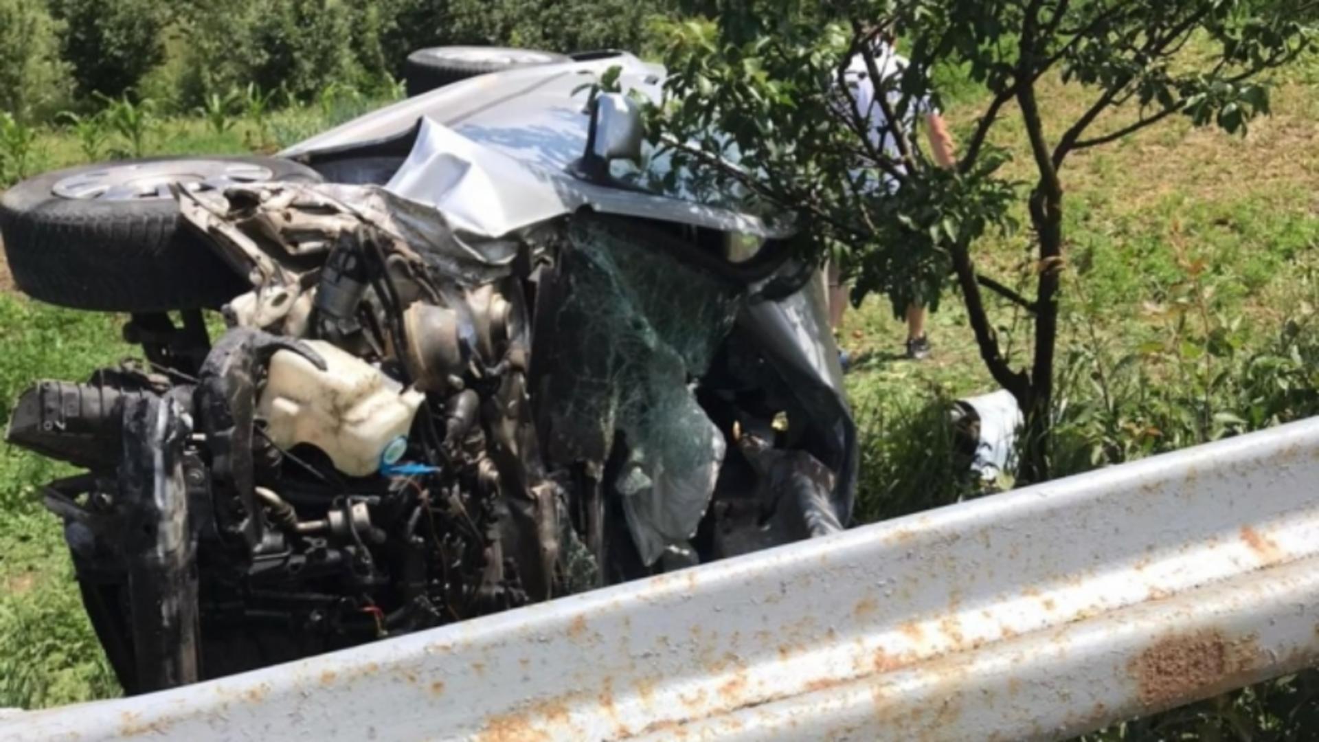 FOTO Accident teribil în județul Cluj, un adult si 2 minori au fost GRAV răniți