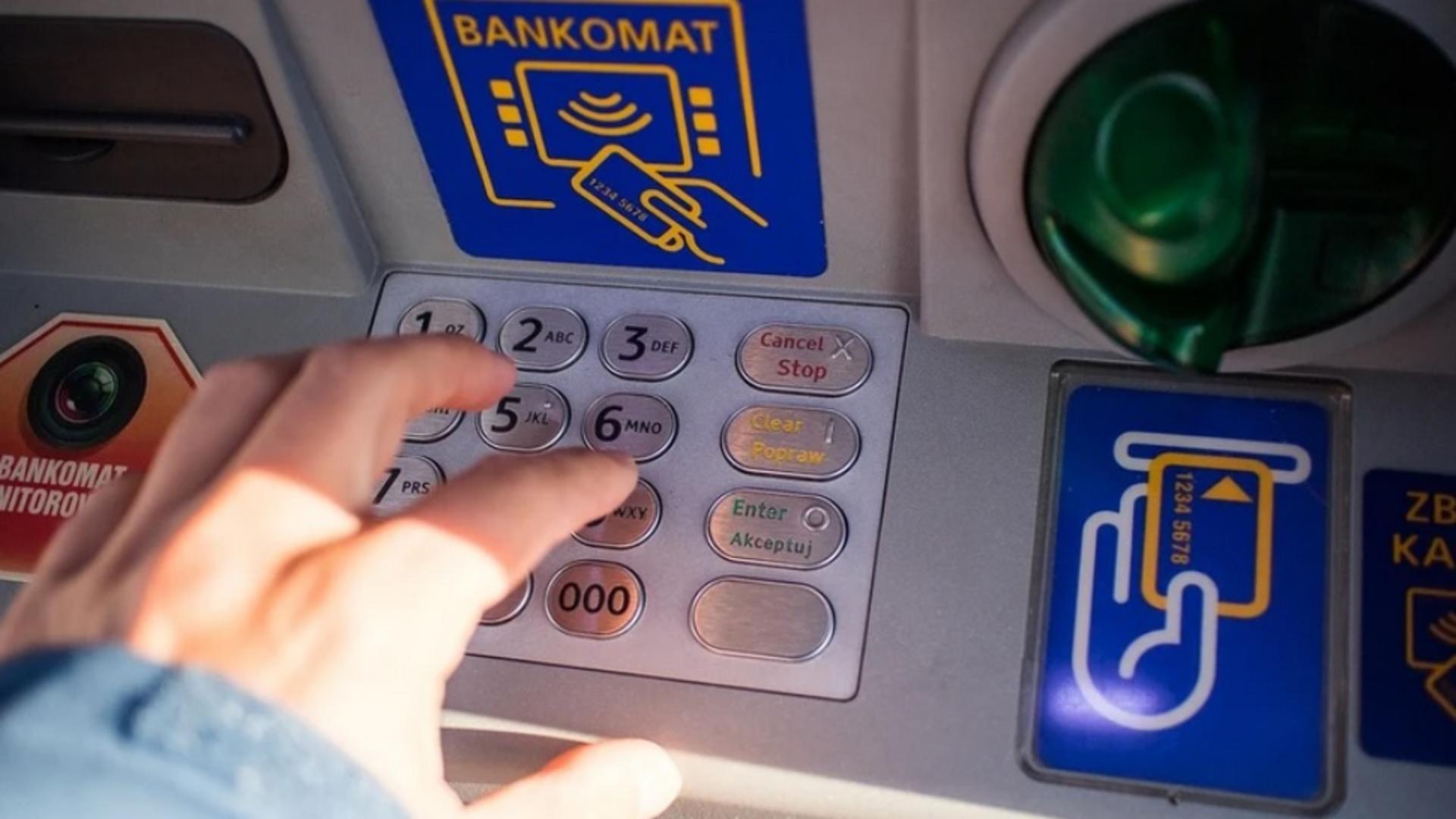 Înșelăciune bancomat