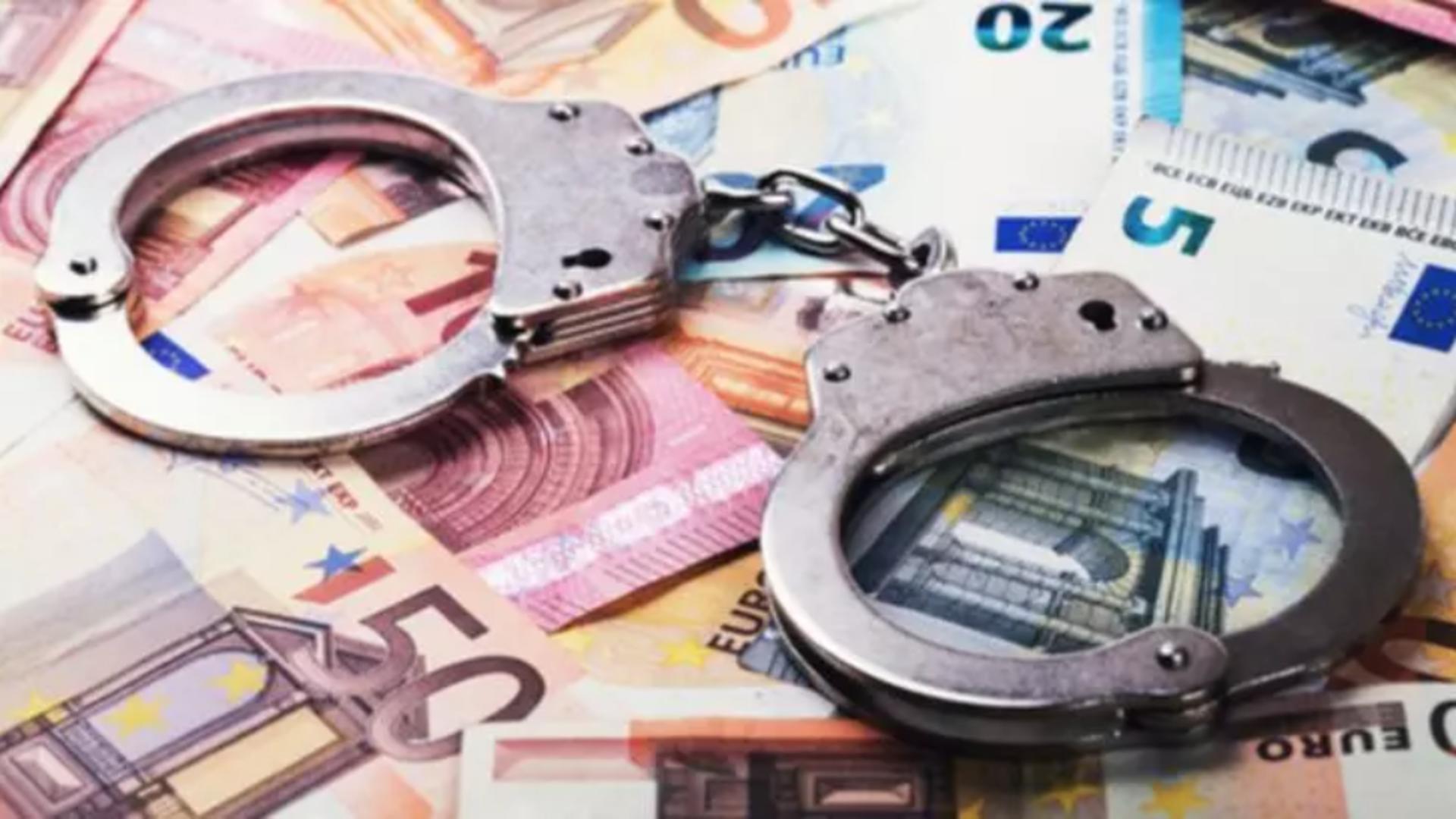 Polițiști rutieri arestați pentru luare de mită