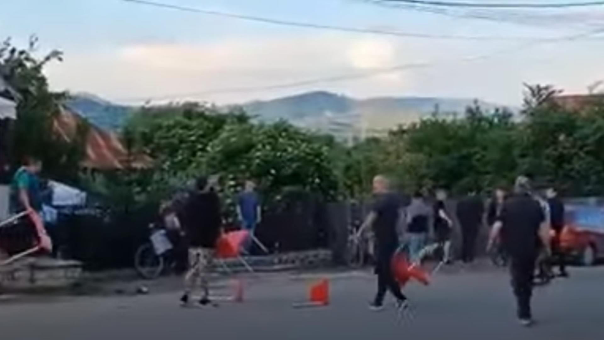 Scandal în plină stradă. Foto: captură YouTube