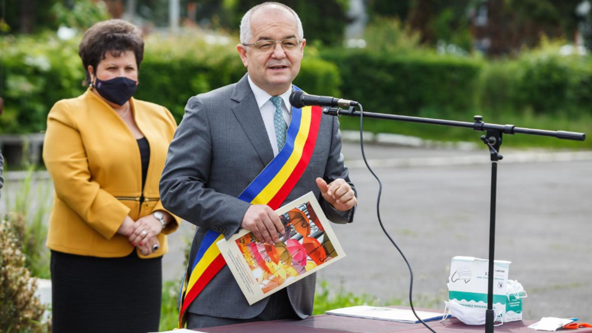 Boc, omul de bază al lui Băsescu, devenit omul din spatele lui Cîțu/ Foto/Facebook
